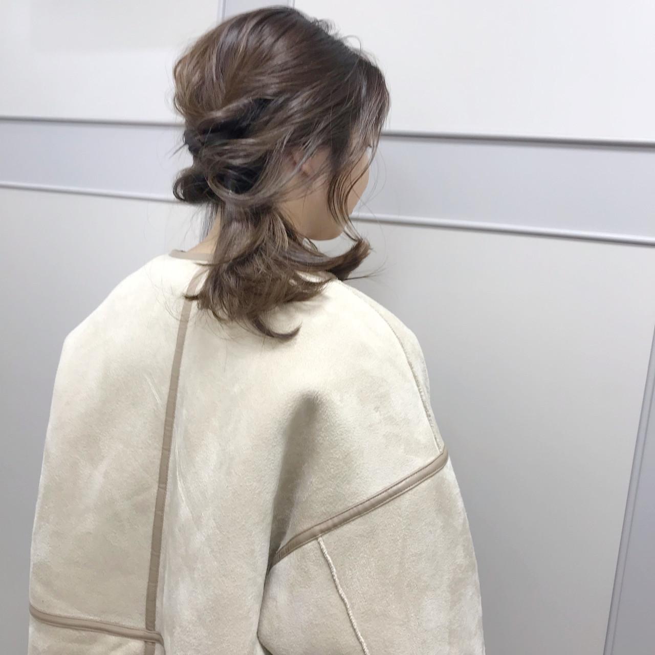 ベージュ フェミニン ヘアカラー ロングヘアスタイルや髪型の写真・画像