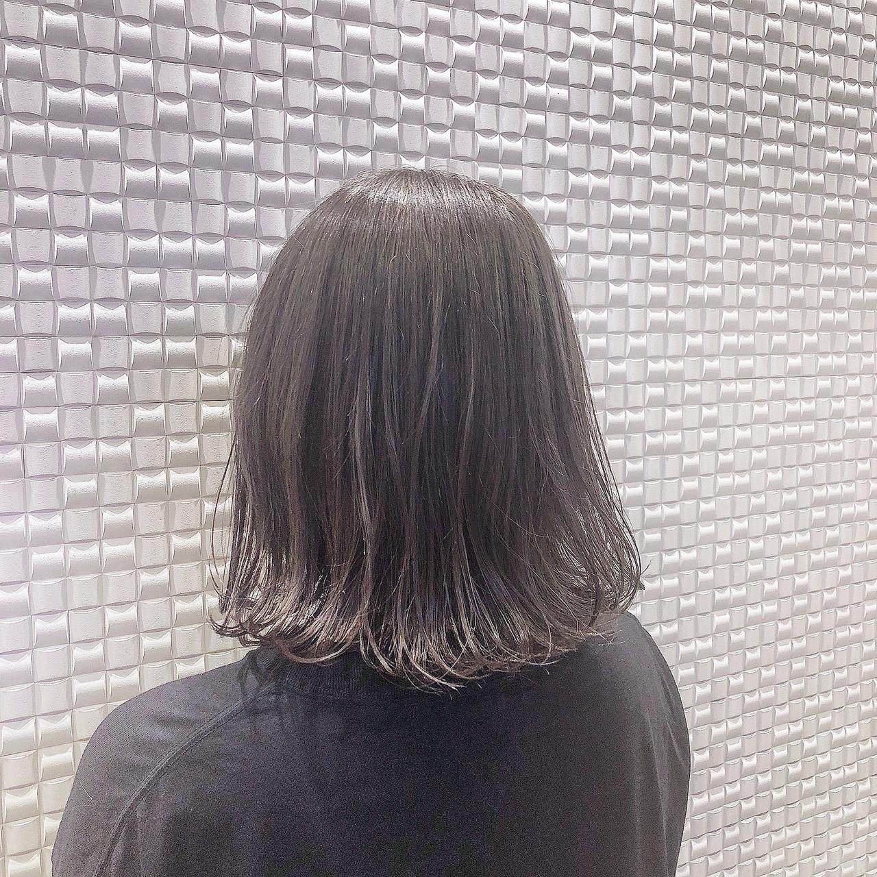 暗髪 ボブ グレージュ ゆるふわ ヘアスタイルや髪型の写真・画像 | フジオカ セイヤ / Olive's by neolive 新宿中央東口店