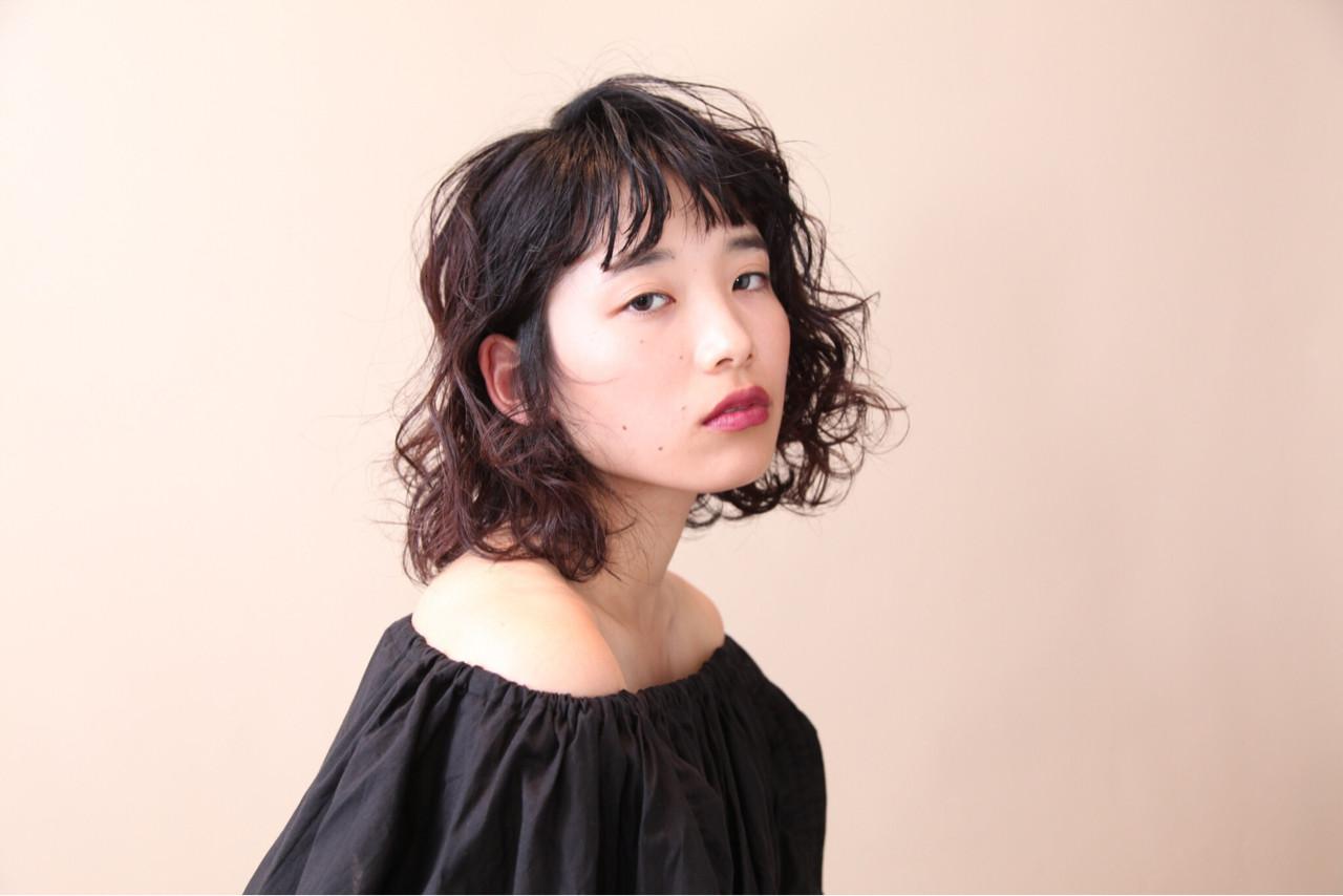 オン眉 ボブ 切りっぱなし パーマ ヘアスタイルや髪型の写真・画像 | 三好 佳奈美 / Baco.(バコ)