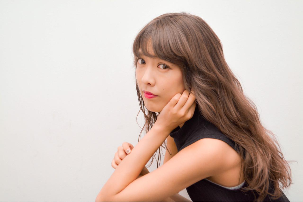 アッシュ 外国人風 ロング ホワイト ヘアスタイルや髪型の写真・画像   長谷川 龍太 / hair design tea
