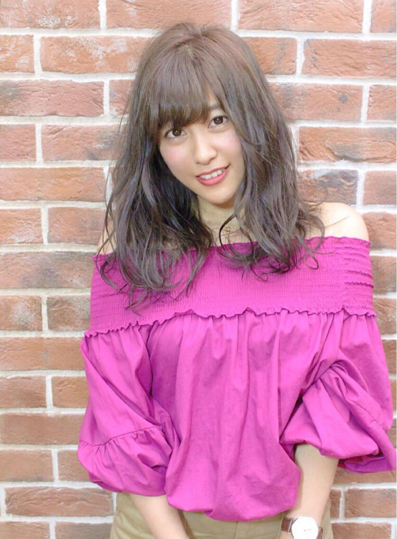 女子会 ウェーブ ロング リラックス ヘアスタイルや髪型の写真・画像 | 谷口 敦 / REGINA tri'or