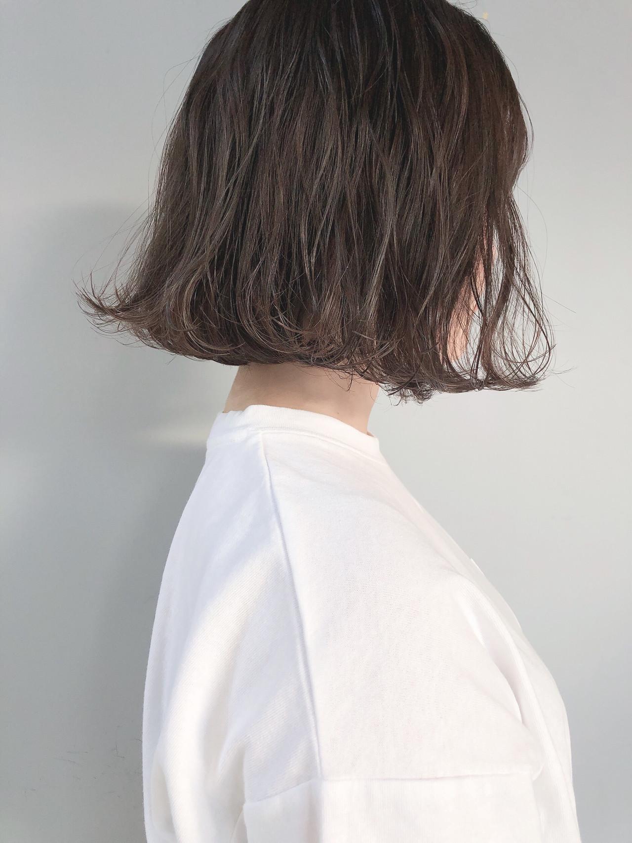 アッシュグレージュ ミルクグレージュ ミルクティーグレージュ オリーブグレージュヘアスタイルや髪型の写真・画像