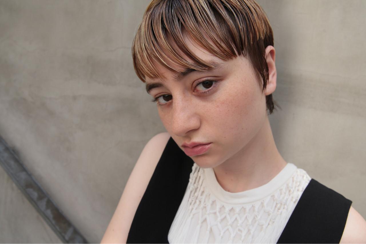 ショート モード ハイライト マッシュ ヘアスタイルや髪型の写真・画像 | Kazuya / tricca balcony