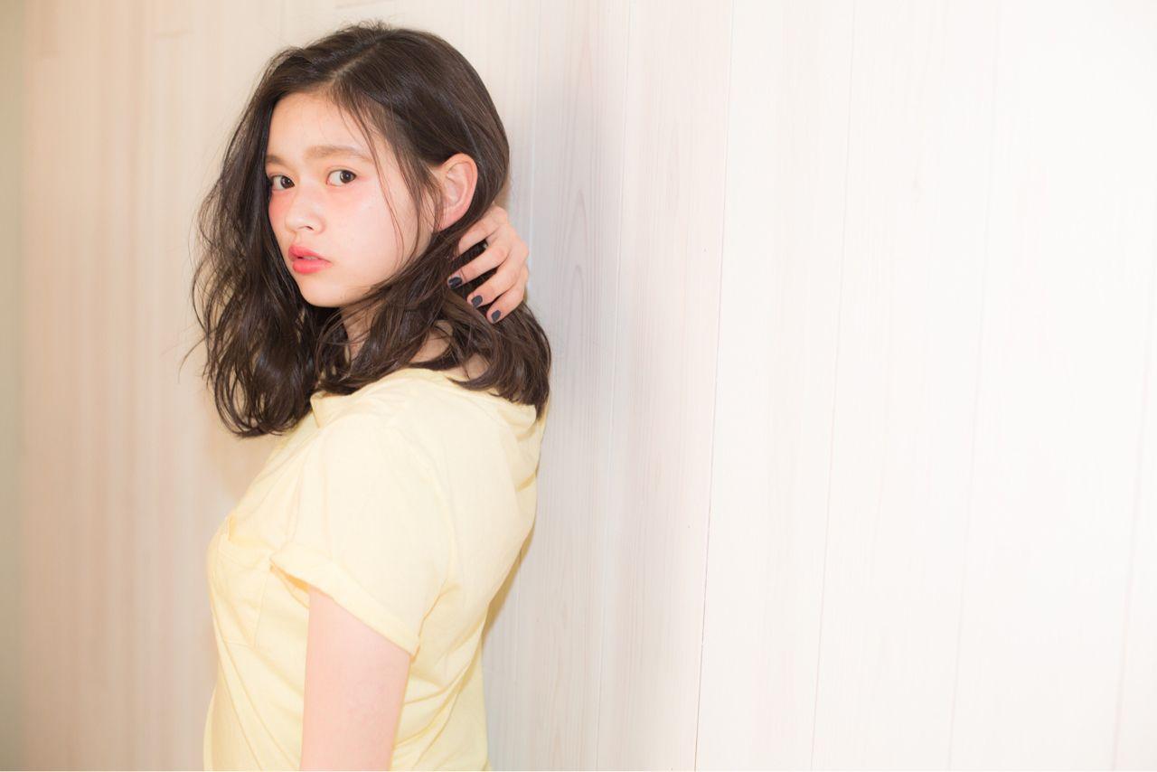ミディアム ストリート うぶバング ヘアスタイルや髪型の写真・画像   久保 雄司 / AnZie