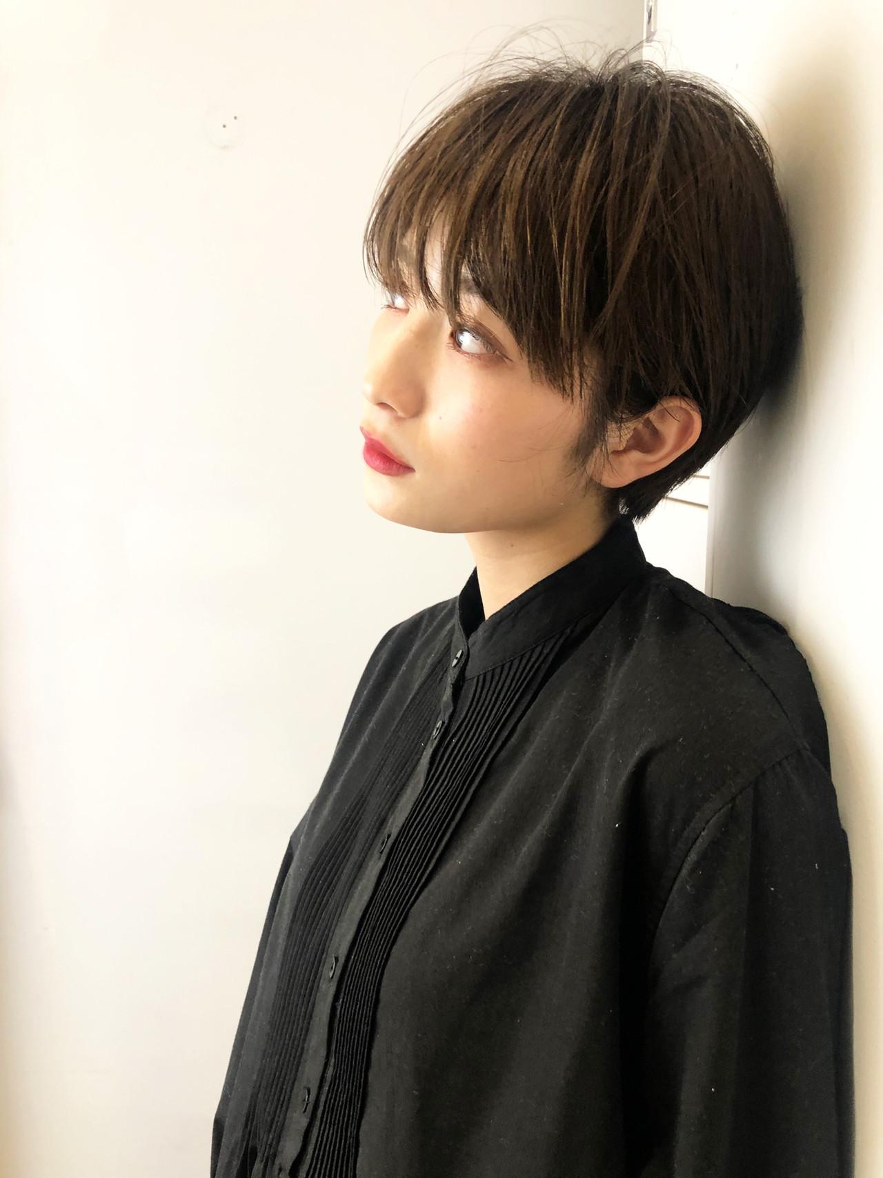 ショートヘア ショート 小顔ショート ナチュラルヘアスタイルや髪型の写真・画像