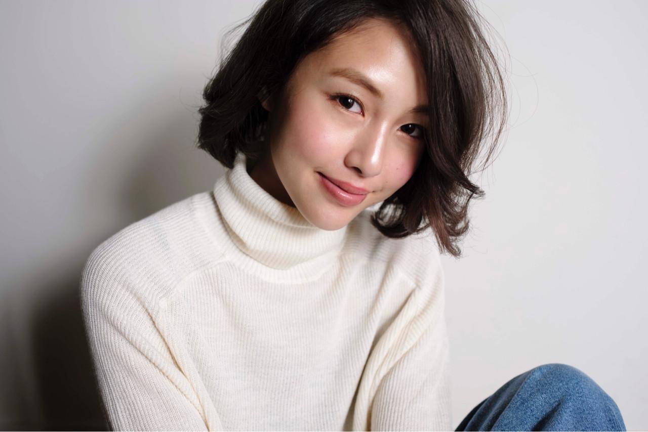 暗髪 冬 色気 ボブ ヘアスタイルや髪型の写真・画像 | 山口純一郎 / hair design Sola