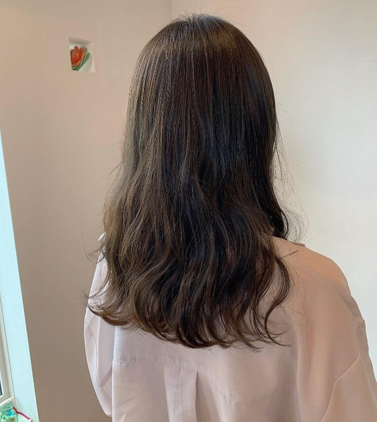 大人かわいい レイヤーロングヘア セミロング マット ヘアスタイルや髪型の写真・画像