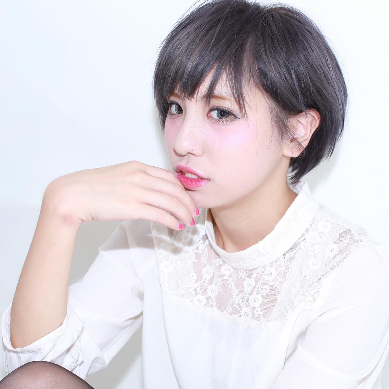 暗髪 グレージュ 外国人風 アッシュ ヘアスタイルや髪型の写真・画像   イマムラ スナオ / LUKE