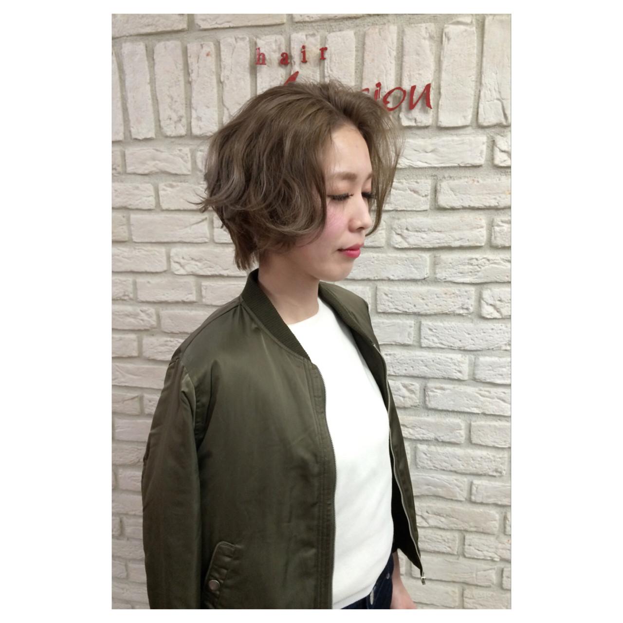 ボブ ショートボブ ショート グレージュ ヘアスタイルや髪型の写真・画像 | 斉藤 友美 / hair Mission