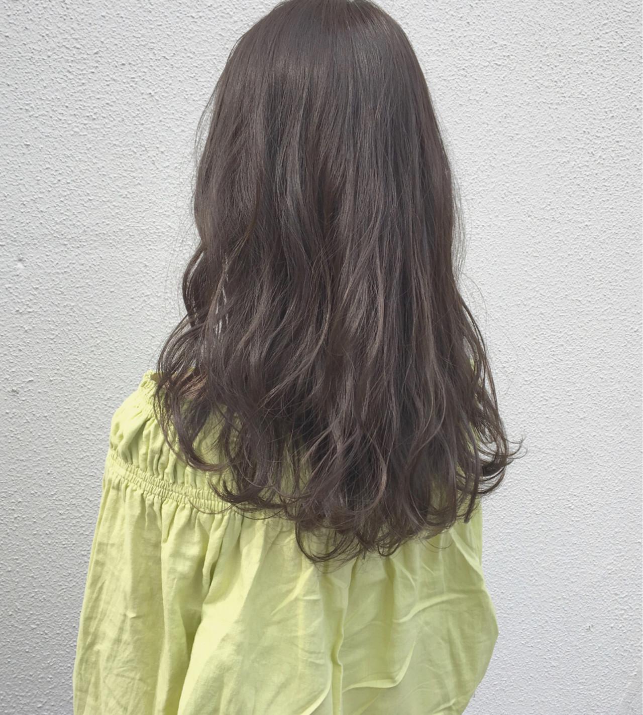 アンニュイ ロング 外国人風カラー グレージュヘアスタイルや髪型の写真・画像