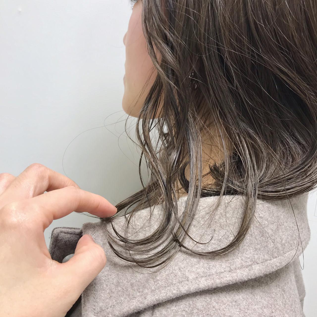 グレージュ 福岡市 ベージュ エレガントヘアスタイルや髪型の写真・画像