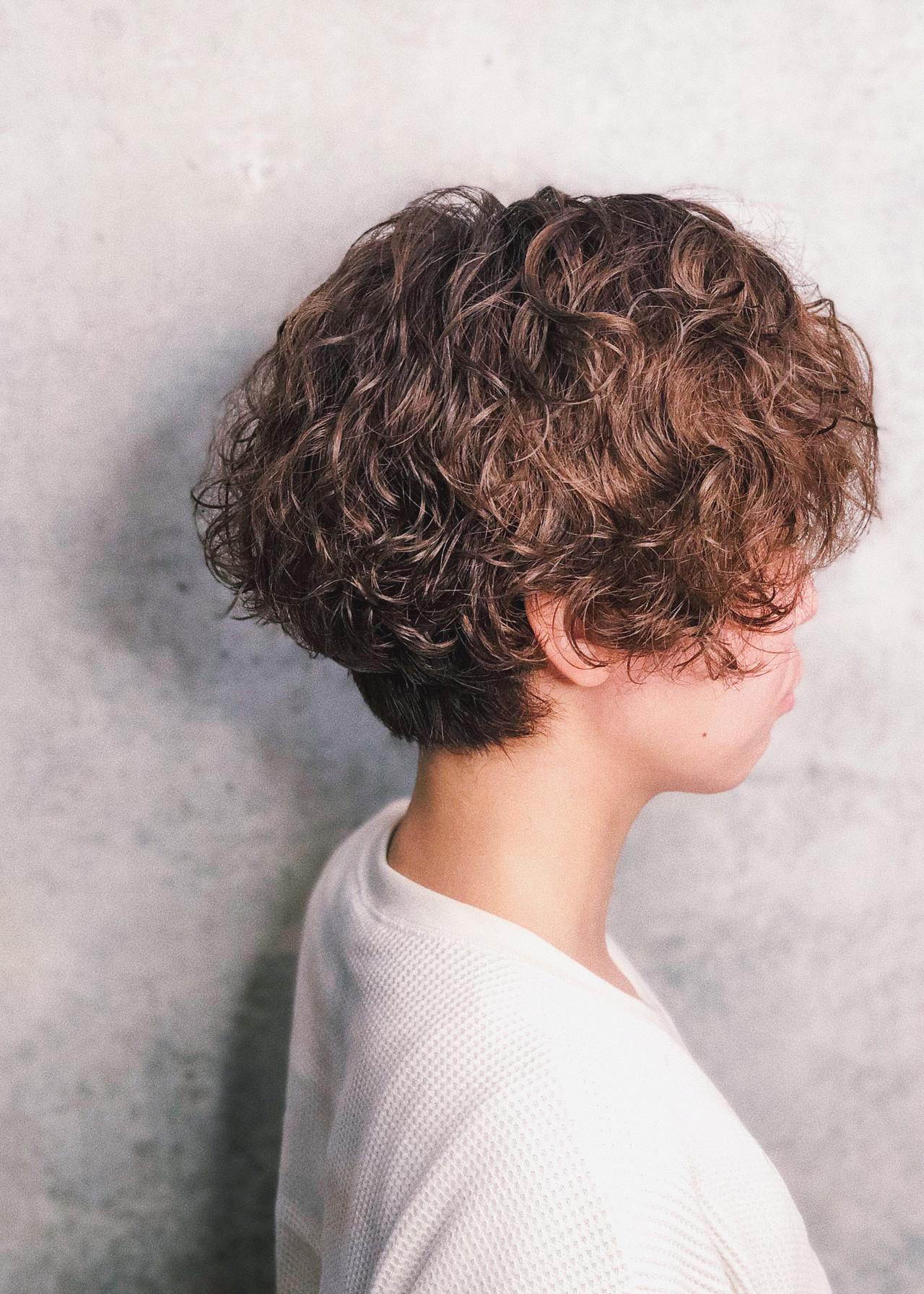 パーマ ストリート ハンサムショート ショートボブ ヘアスタイルや髪型の写真・画像