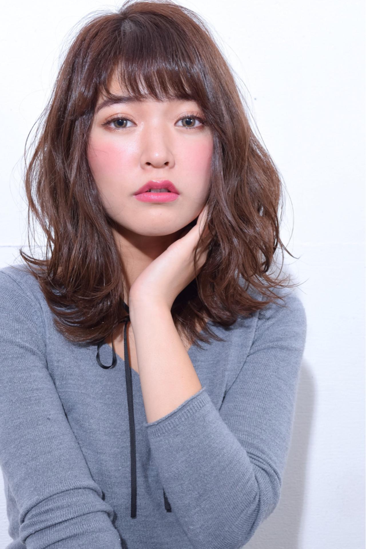 ミディアム こなれ感 大人女子 色気 ヘアスタイルや髪型の写真・画像 | 鈴木 謙太 / HAIRLOGY