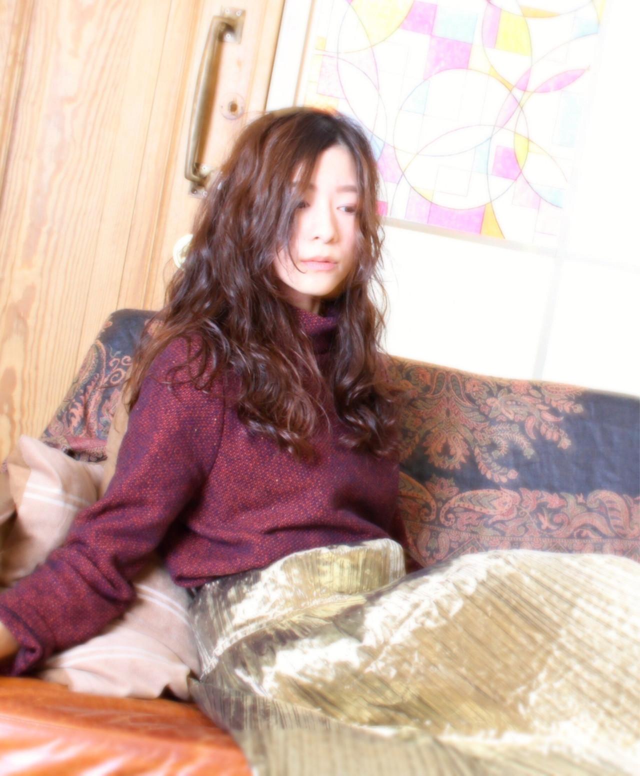 暗髪 ゆるふわ ロング 大人かわいい ヘアスタイルや髪型の写真・画像 | 池口 一毅 / Neolivecapu