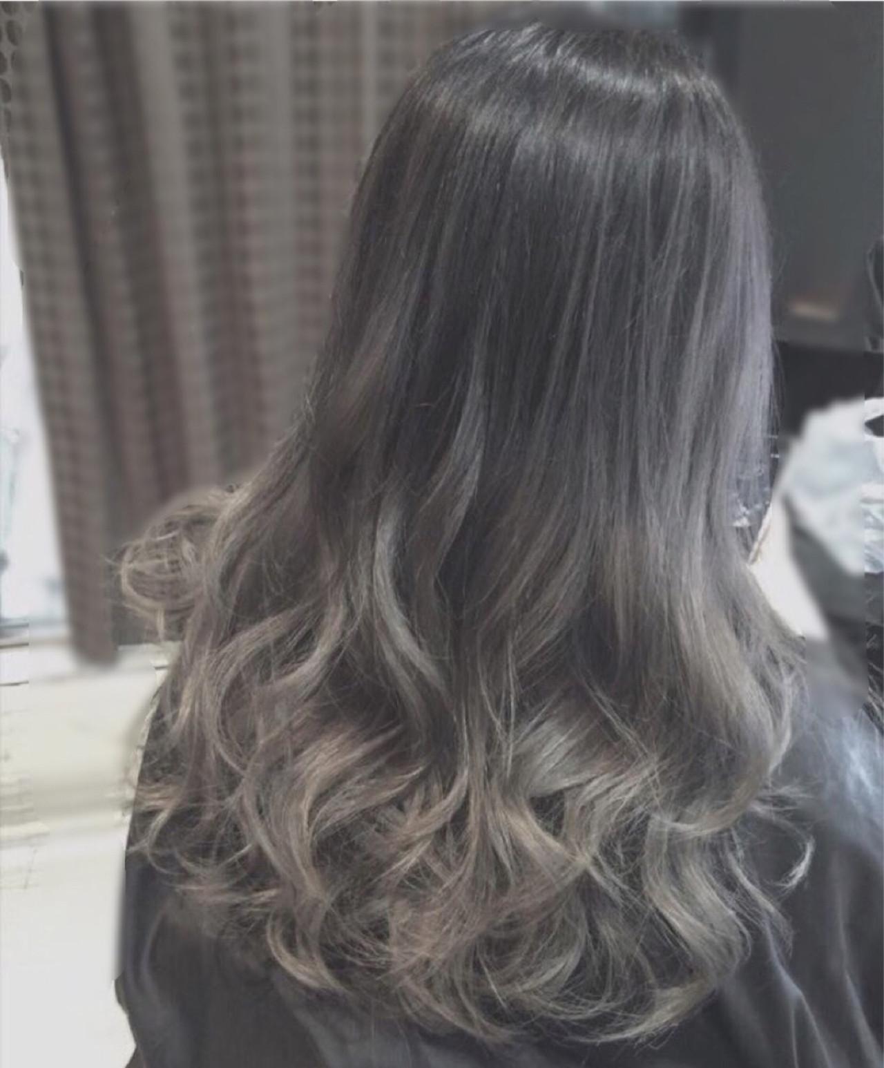 セミロング 外国人風 グラデーションカラー アッシュヘアスタイルや髪型の写真・画像