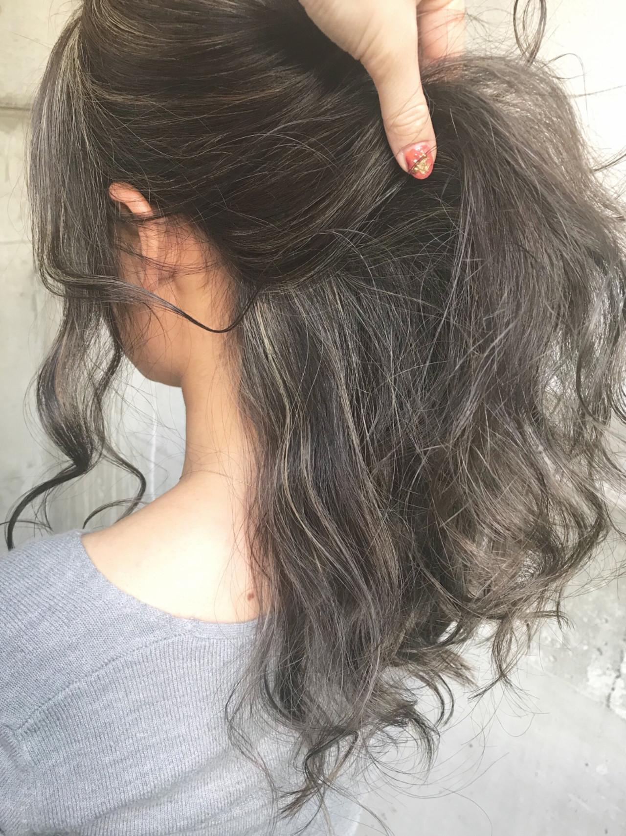 セミロング ストリート ハイライト 外国人風 ヘアスタイルや髪型の写真・画像 | ♡ m i w a ♡schritt渋谷 / schritt (シュリット)渋谷