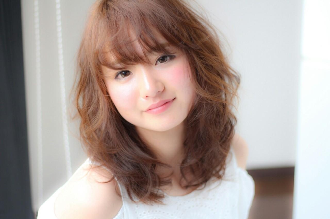 フェミニン 大人かわいい 外国人風 前髪あり ヘアスタイルや髪型の写真・画像 | Tsuru Shohei / ASIA(アジア)