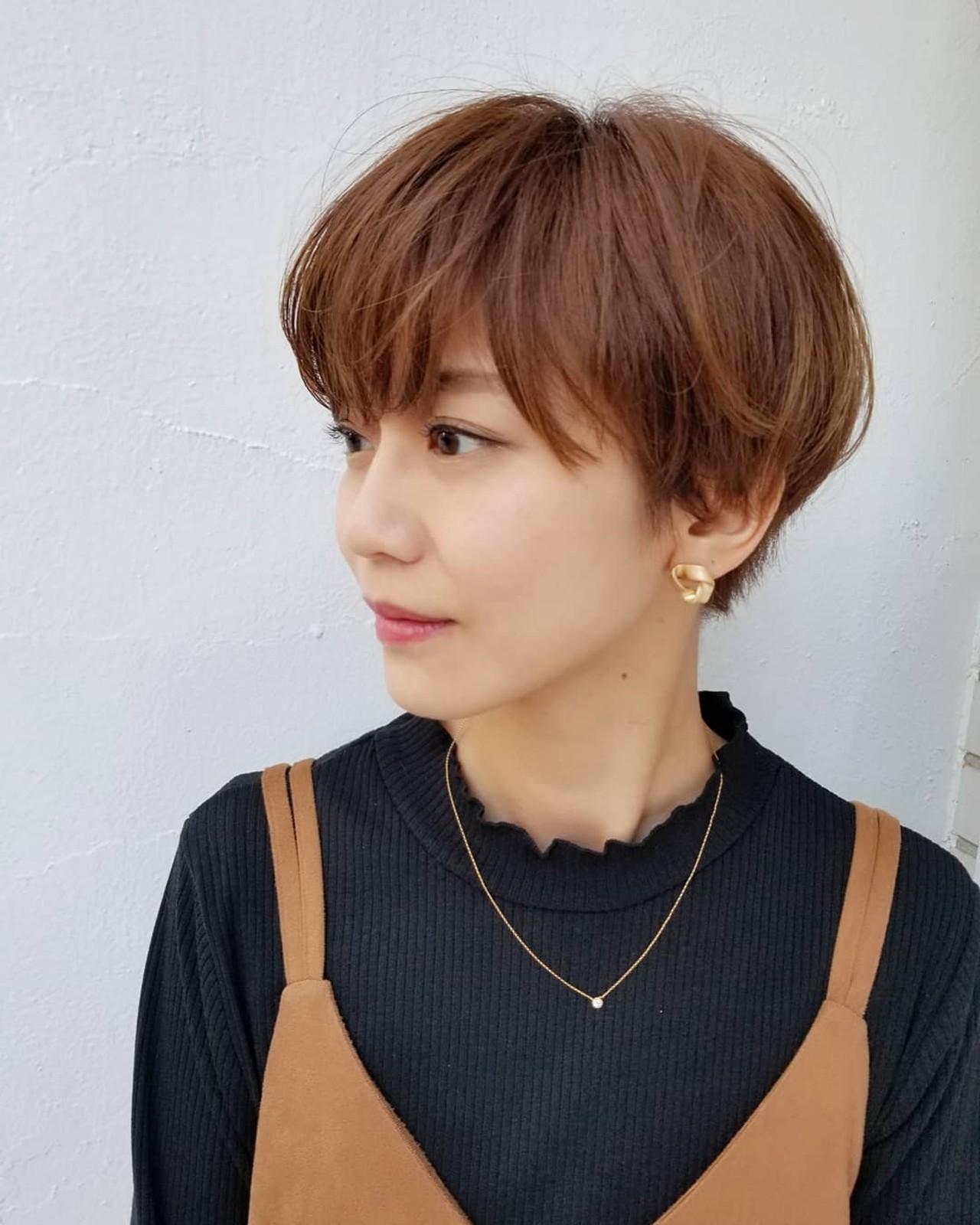 大人女子 オフィス モード マッシュヘアスタイルや髪型の写真・画像
