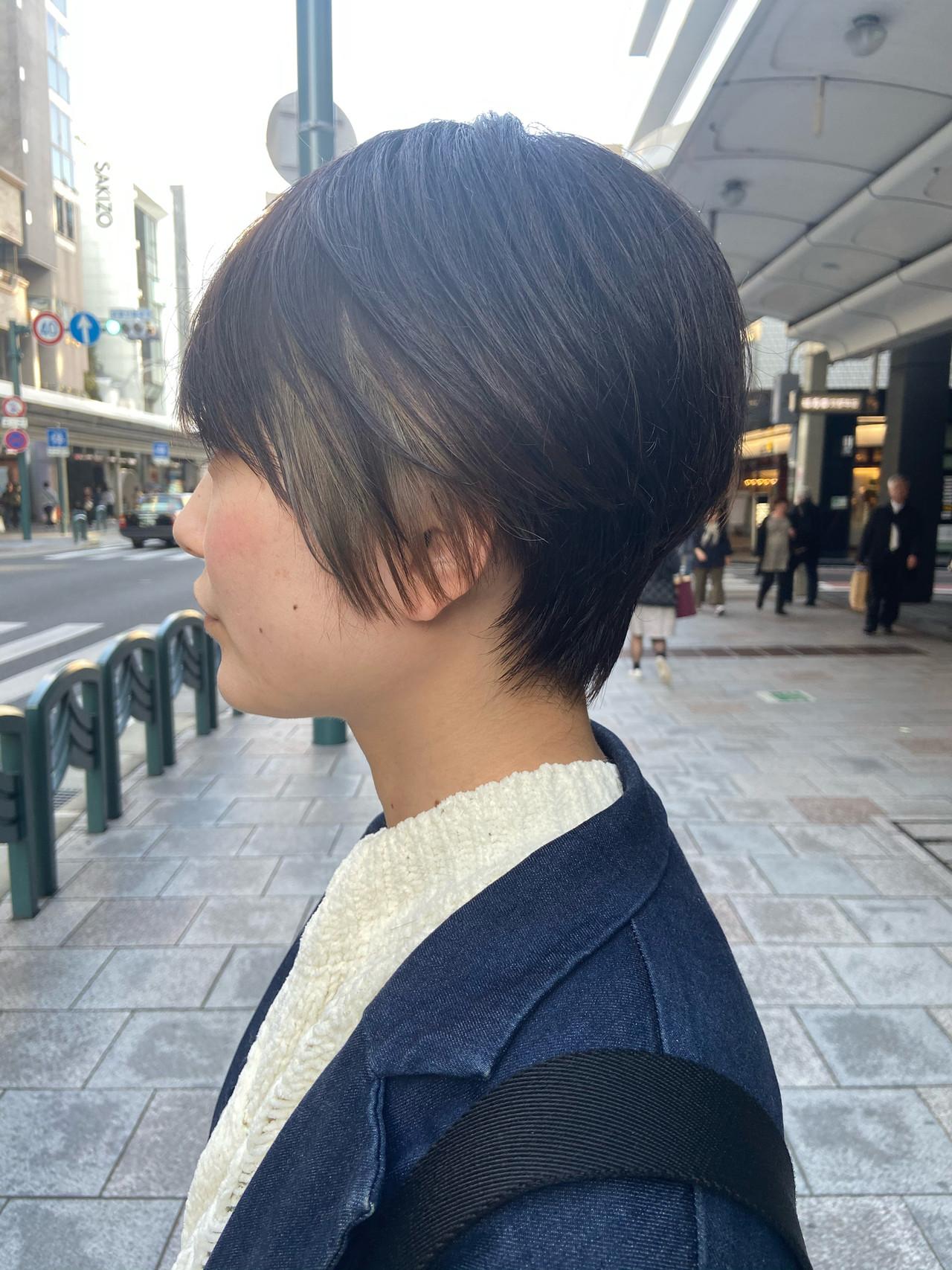 ショートボブ 大人ショート 大人グラボブ インナーカラーヘアスタイルや髪型の写真・画像