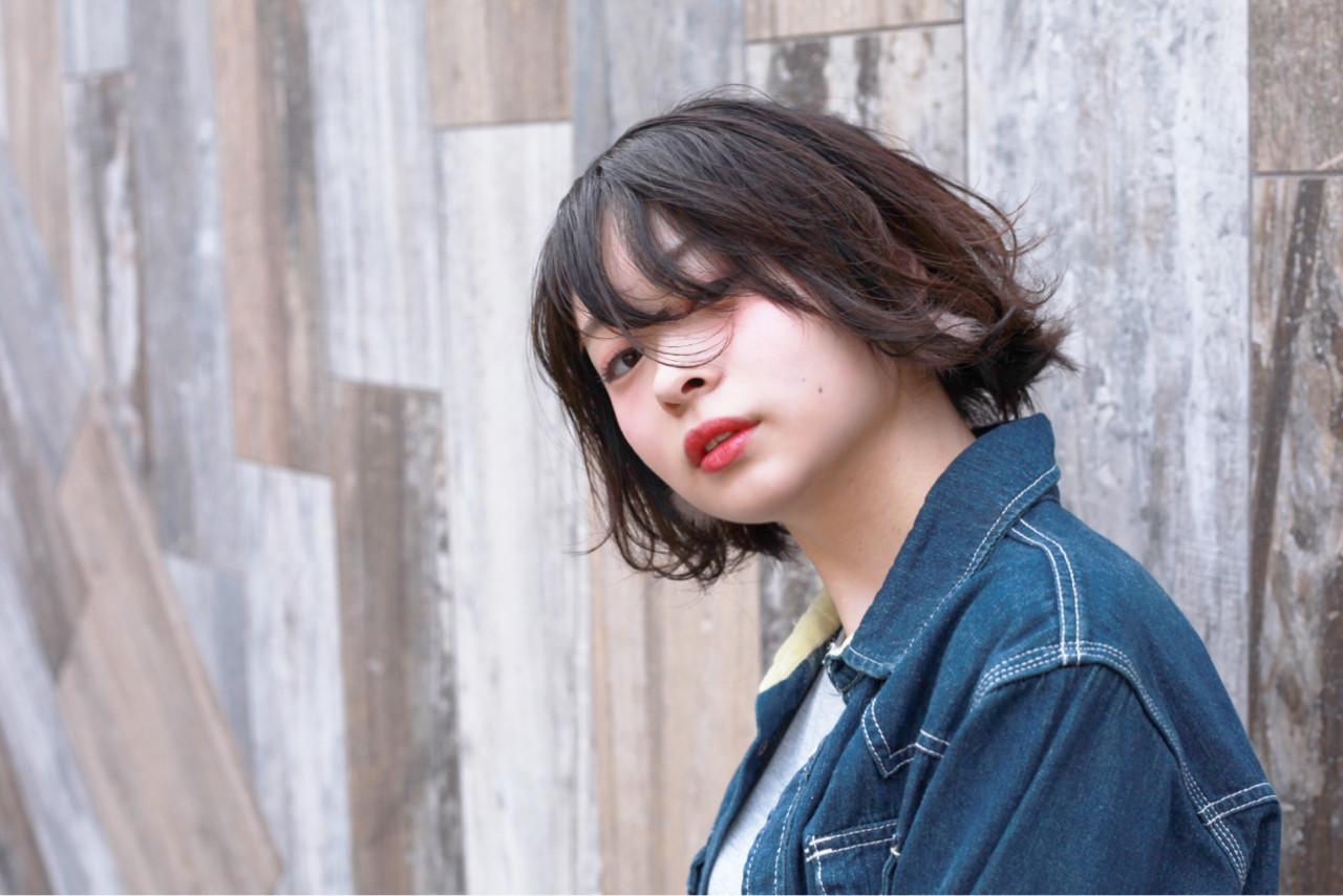 小顔 ショートボブ ナチュラル ショートバング ヘアスタイルや髪型の写真・画像 | Hiroさん / H+by Airsalon