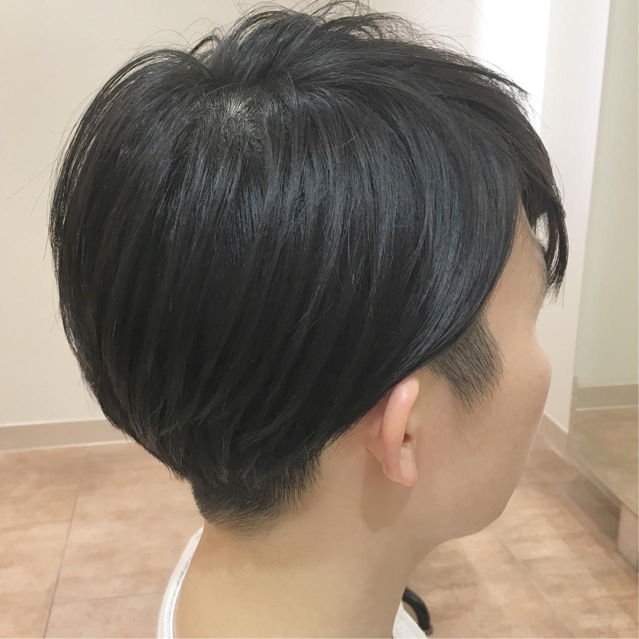 ショート メンズヘア ナチュラル 刈り上げヘアスタイルや髪型の写真・画像