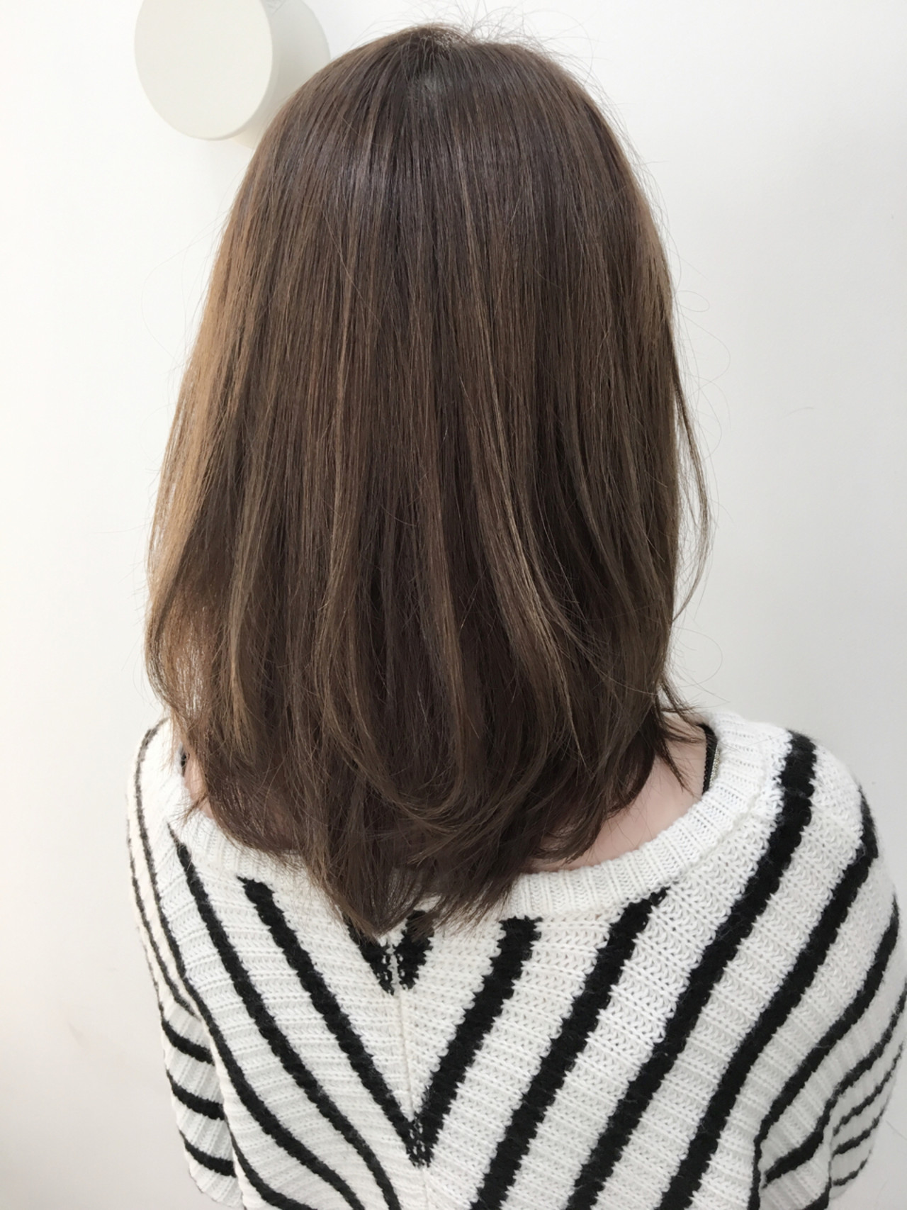 ミディアム アッシュ 大人かわいい ストリートヘアスタイルや髪型の写真・画像