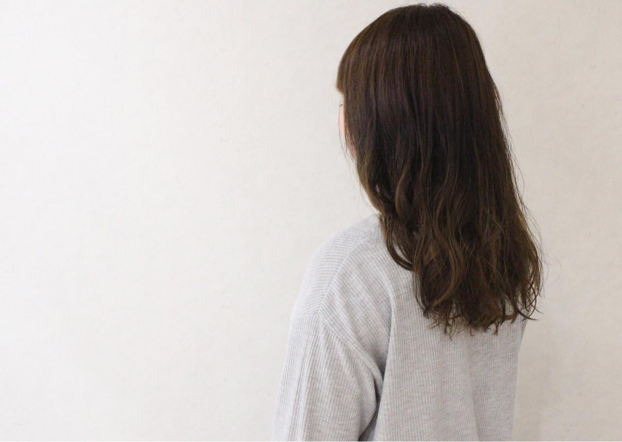大人かわいい ゆるふわ ナチュラル アンニュイ ヘアスタイルや髪型の写真・画像 | 伊藤 貴昭 / CACINA  カシナ