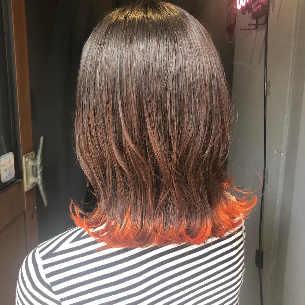 ミディアム オレンジカラー 外ハネ ガーリー ヘアスタイルや髪型の写真・画像   岡田 菖 / ensue