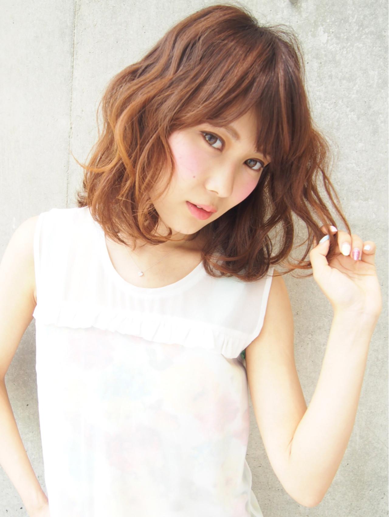 ゆるふわ ブラウン 外国人風 ハイライト ヘアスタイルや髪型の写真・画像   古田愛 / Ofhair WEST