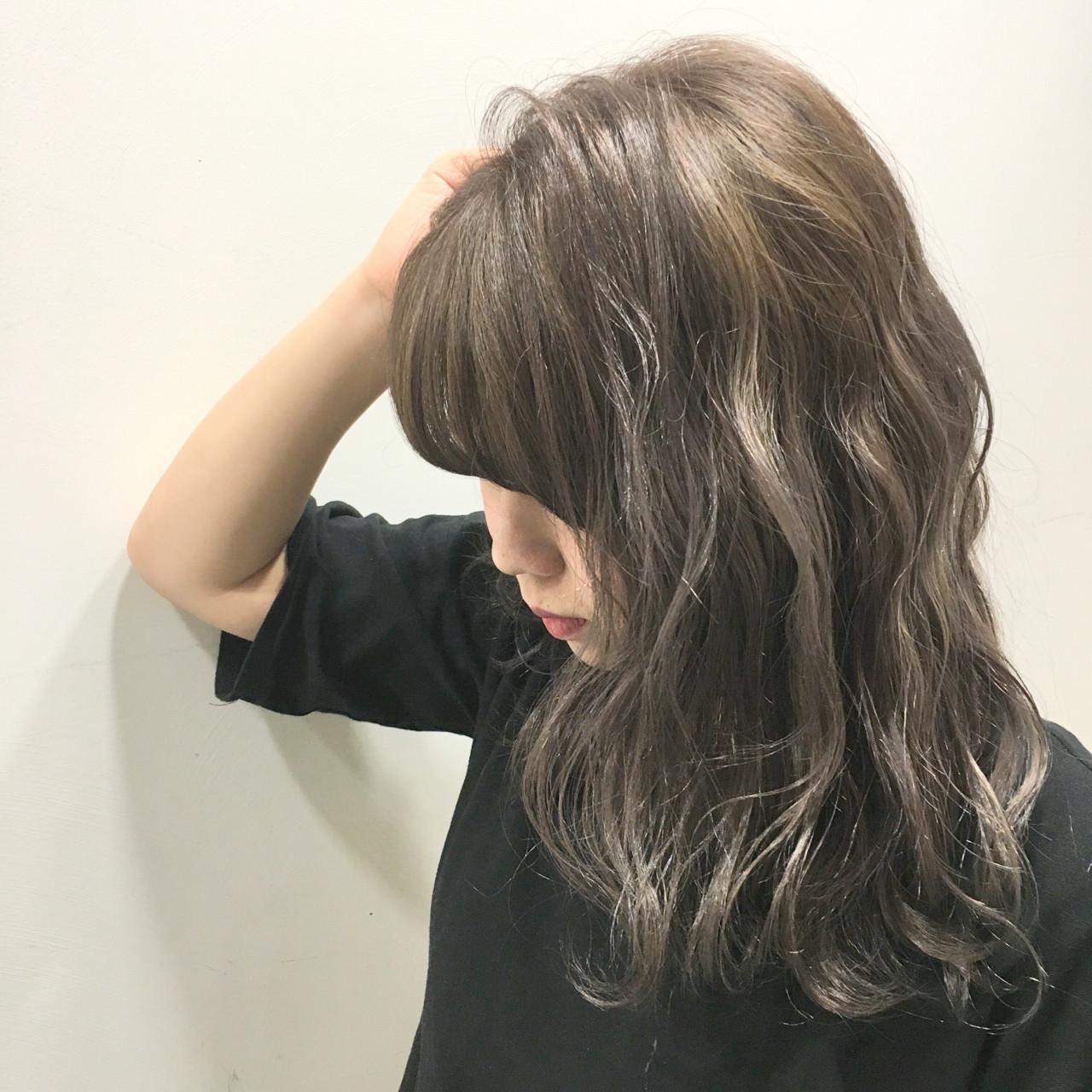 ウェットヘア グラデーションカラー ミディアム 波ウェーブ ヘアスタイルや髪型の写真・画像 | 斧江 和也 / ROOTS IRIE
