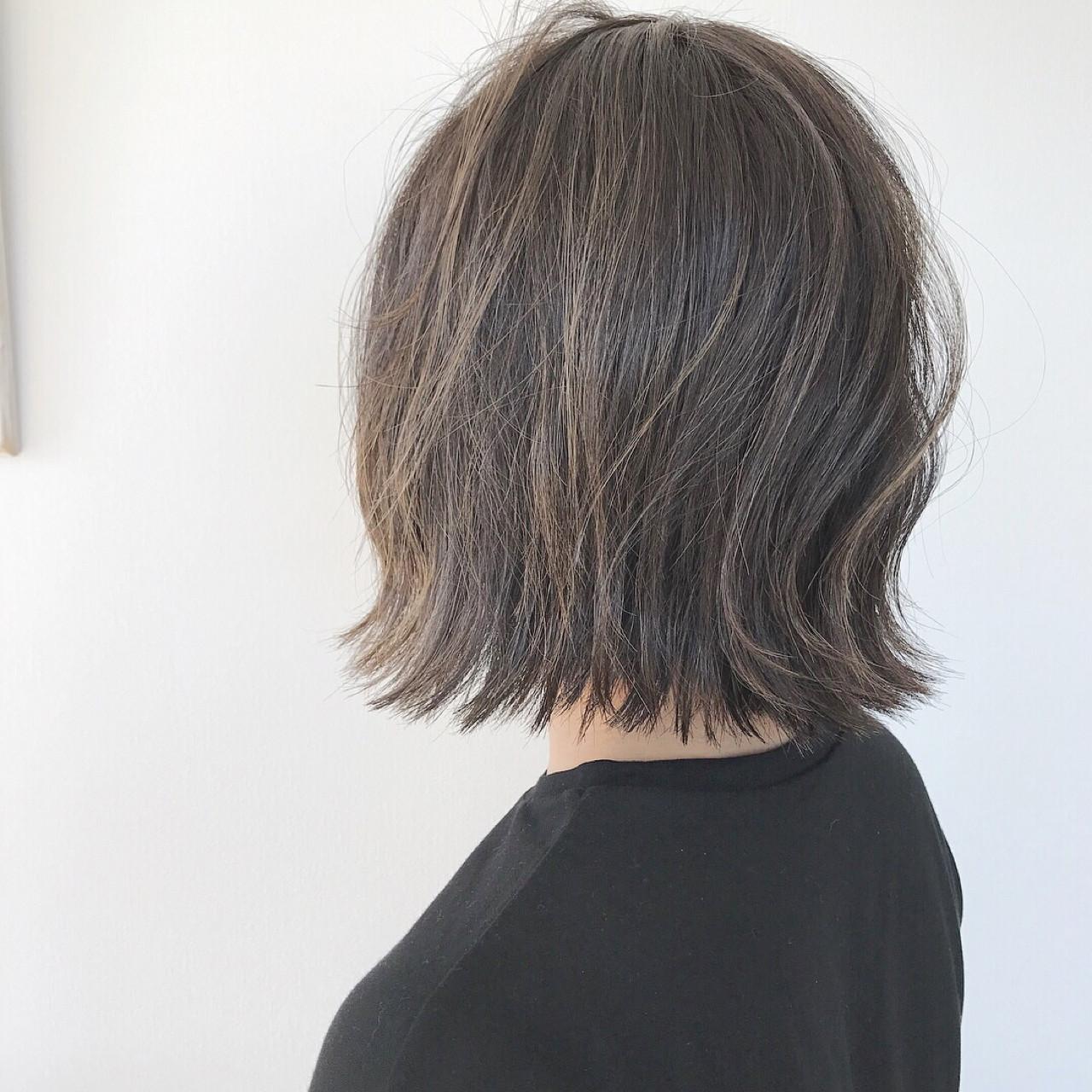 ナチュラル ハイライト ボブ アッシュグレージュヘアスタイルや髪型の写真・画像