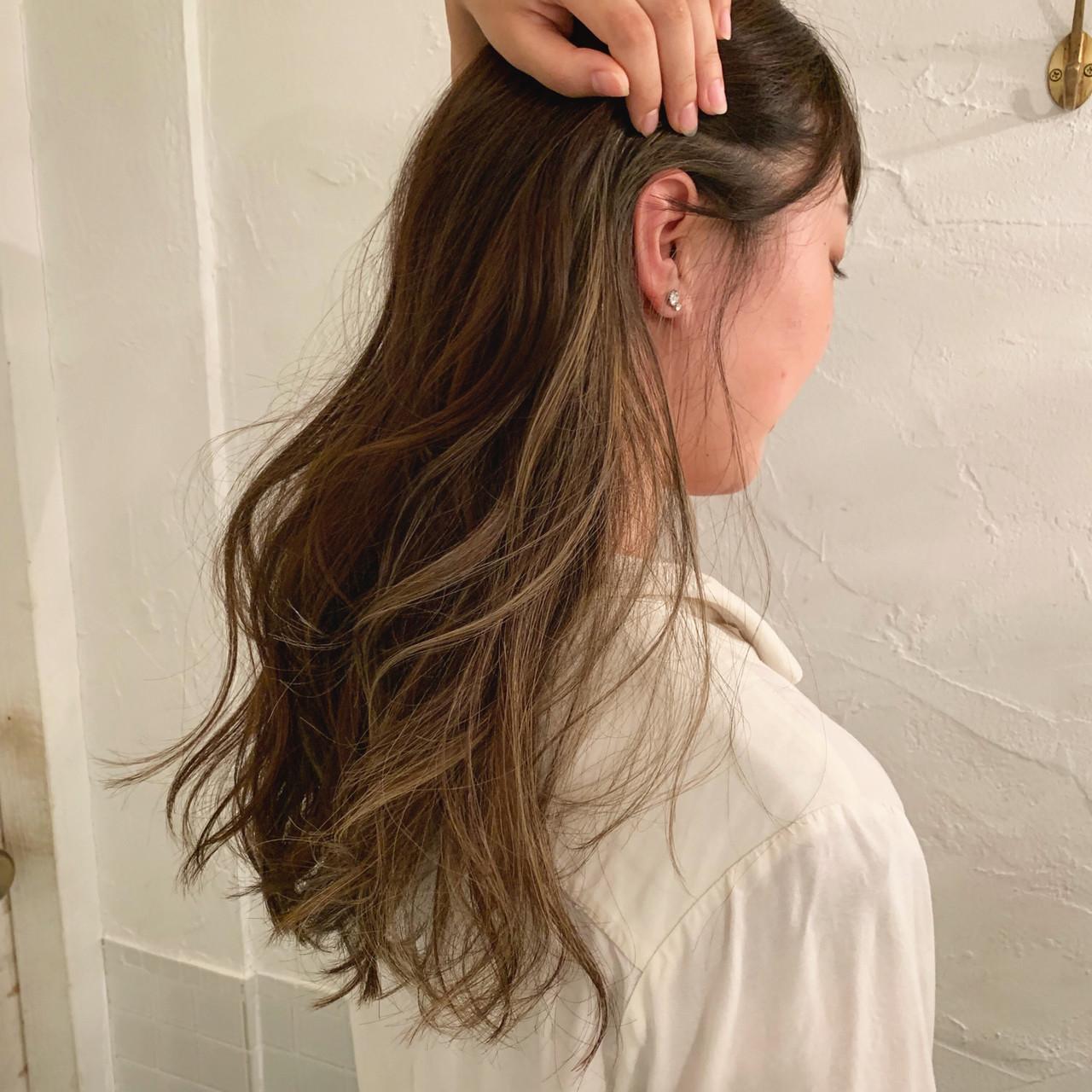 グラデーションカラー ロング エレガント インナーカラーヘアスタイルや髪型の写真・画像