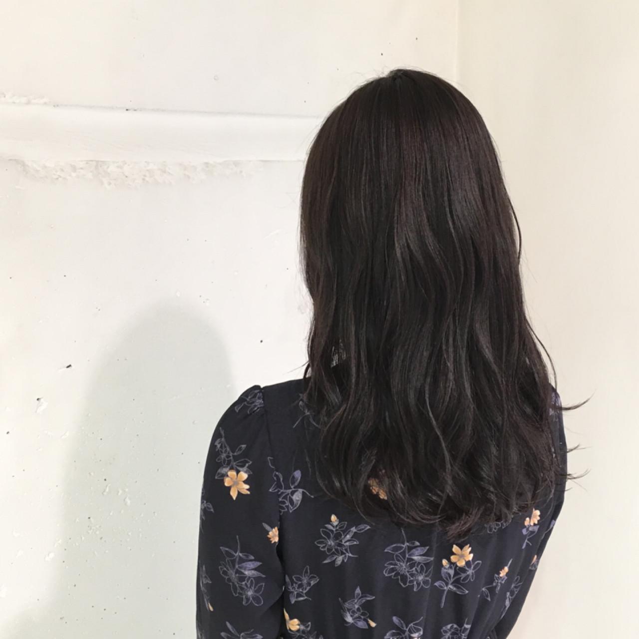 グレージュ ゆるふわ 暗髪 アッシュ ヘアスタイルや髪型の写真・画像 | 鈴木 謙太 / HAIRLOGY