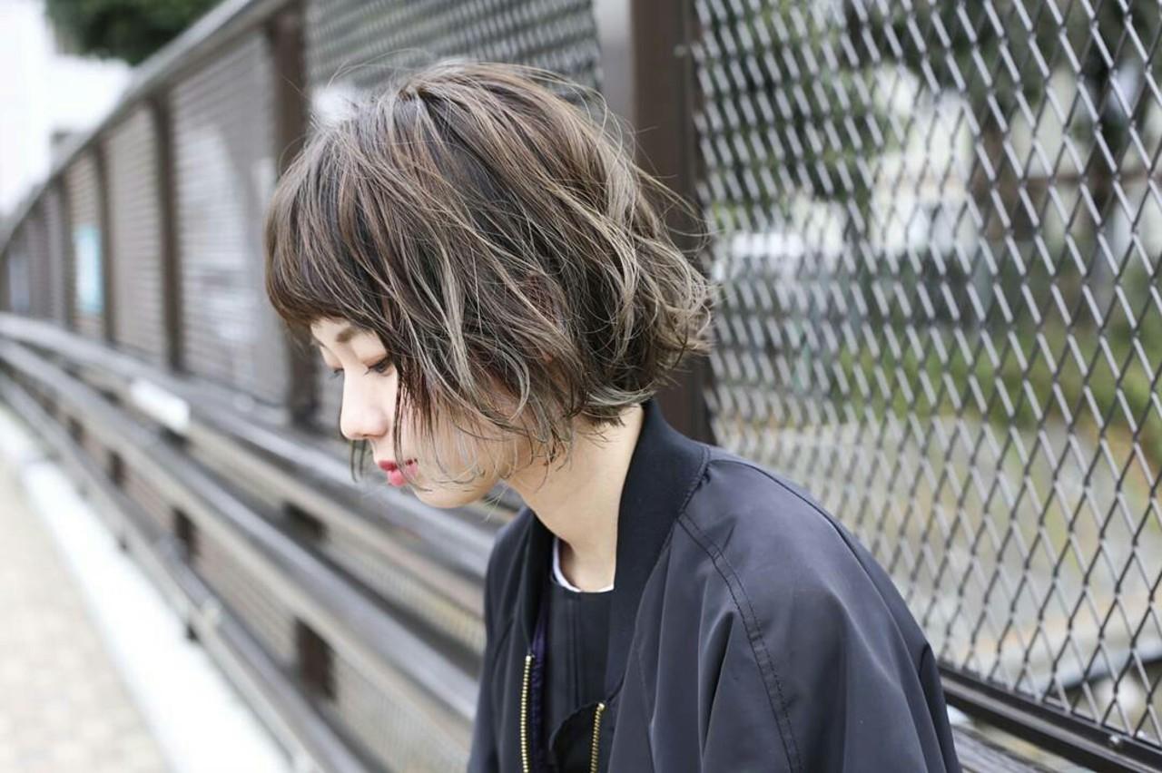 インナーカラー モード パーマ ウェーブ ヘアスタイルや髪型の写真・画像 | 杉本侑菜 (すぎもと ありな) /