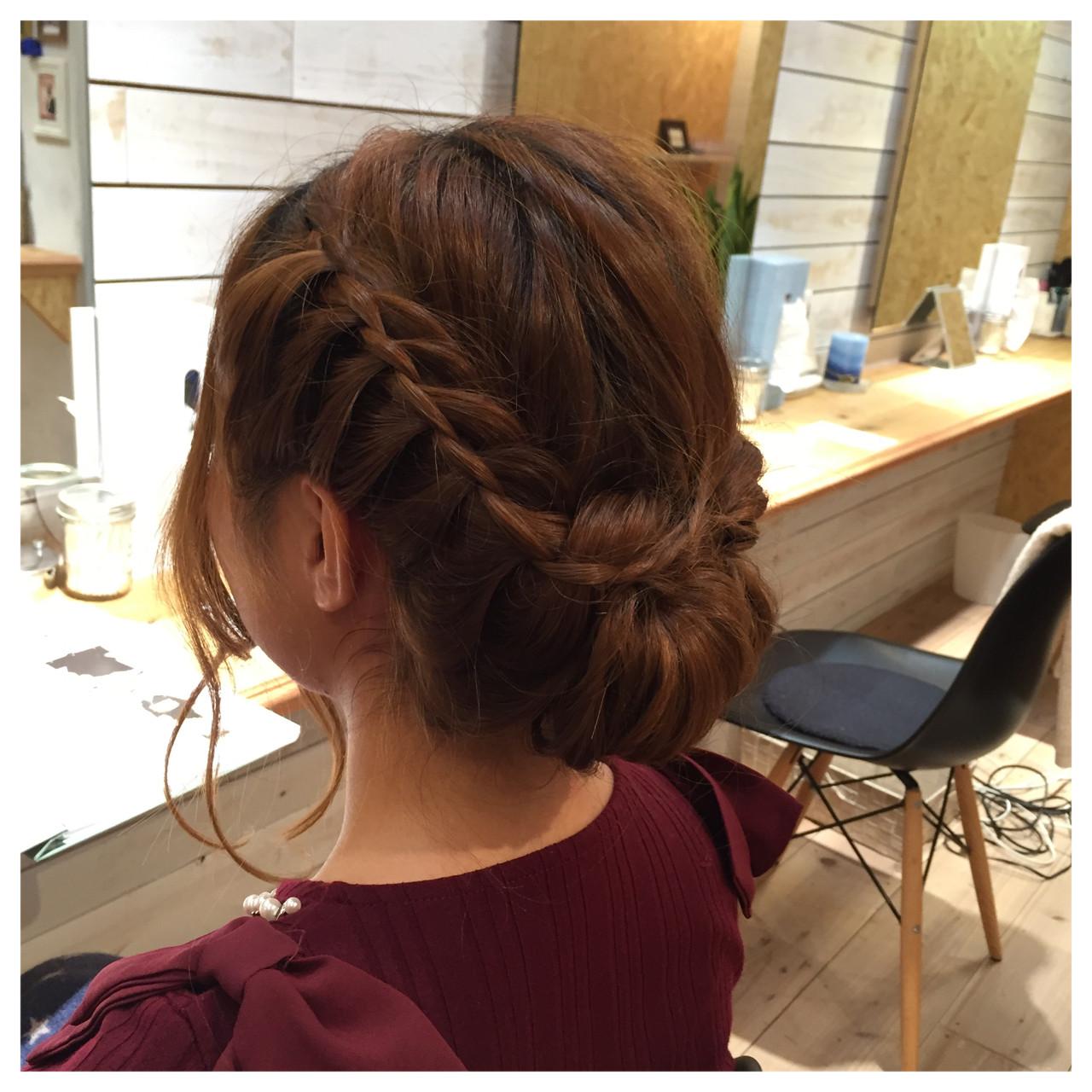 編み込み ロング ヘアアレンジ 大人かわいい ヘアスタイルや髪型の写真・画像 | 阪田充章 / MITU