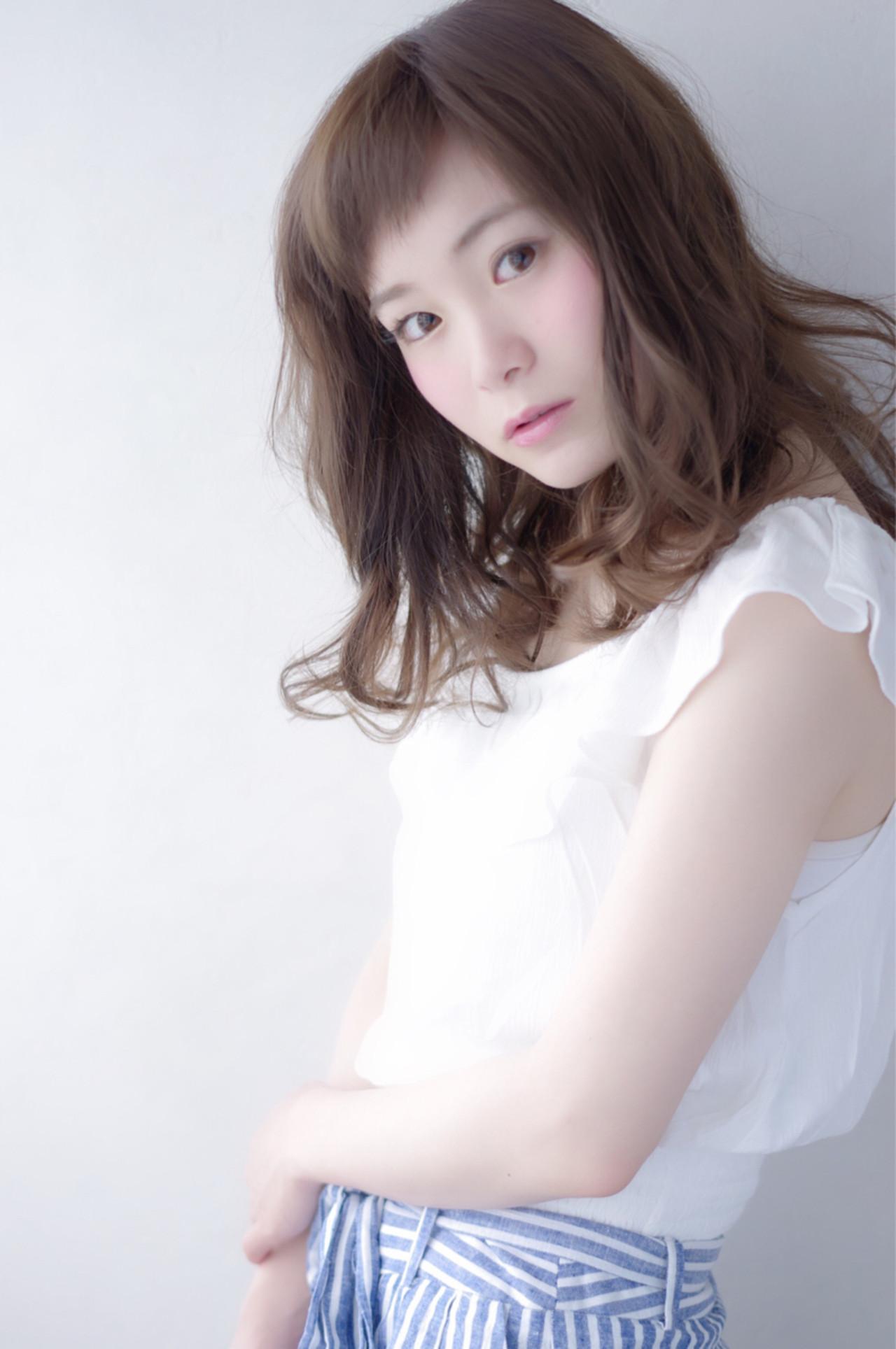 大人かわいい ナチュラル フェミニン ミディアム ヘアスタイルや髪型の写真・画像 | 上鶴 悠貴 / AMME