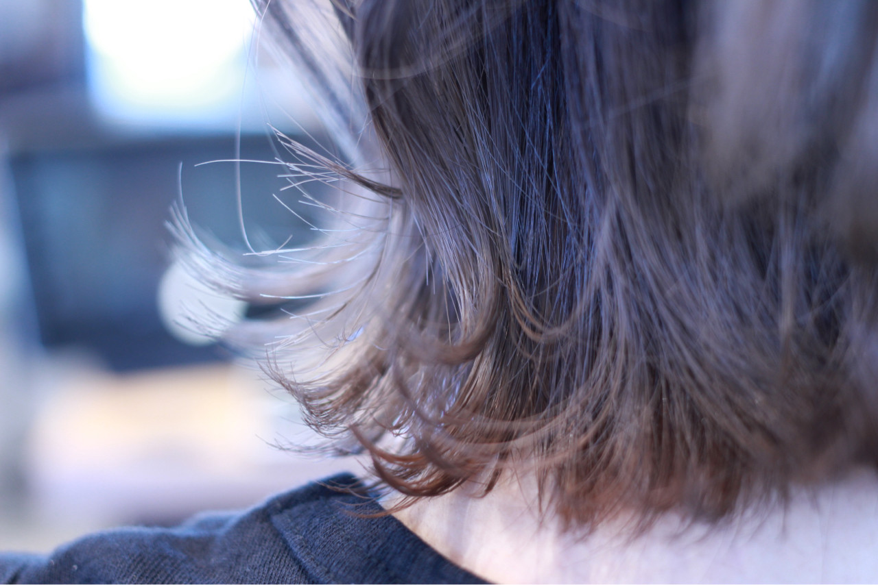 フェミニン ウェットヘア グレージュ ボブヘアスタイルや髪型の写真・画像