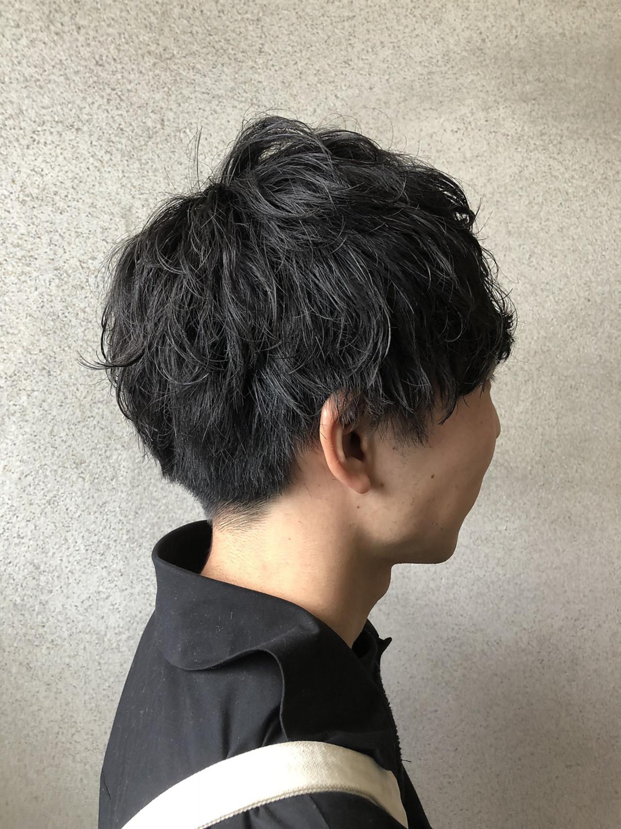 ナチュラル メンズパーマ メンズ ショートヘアスタイルや髪型の写真・画像