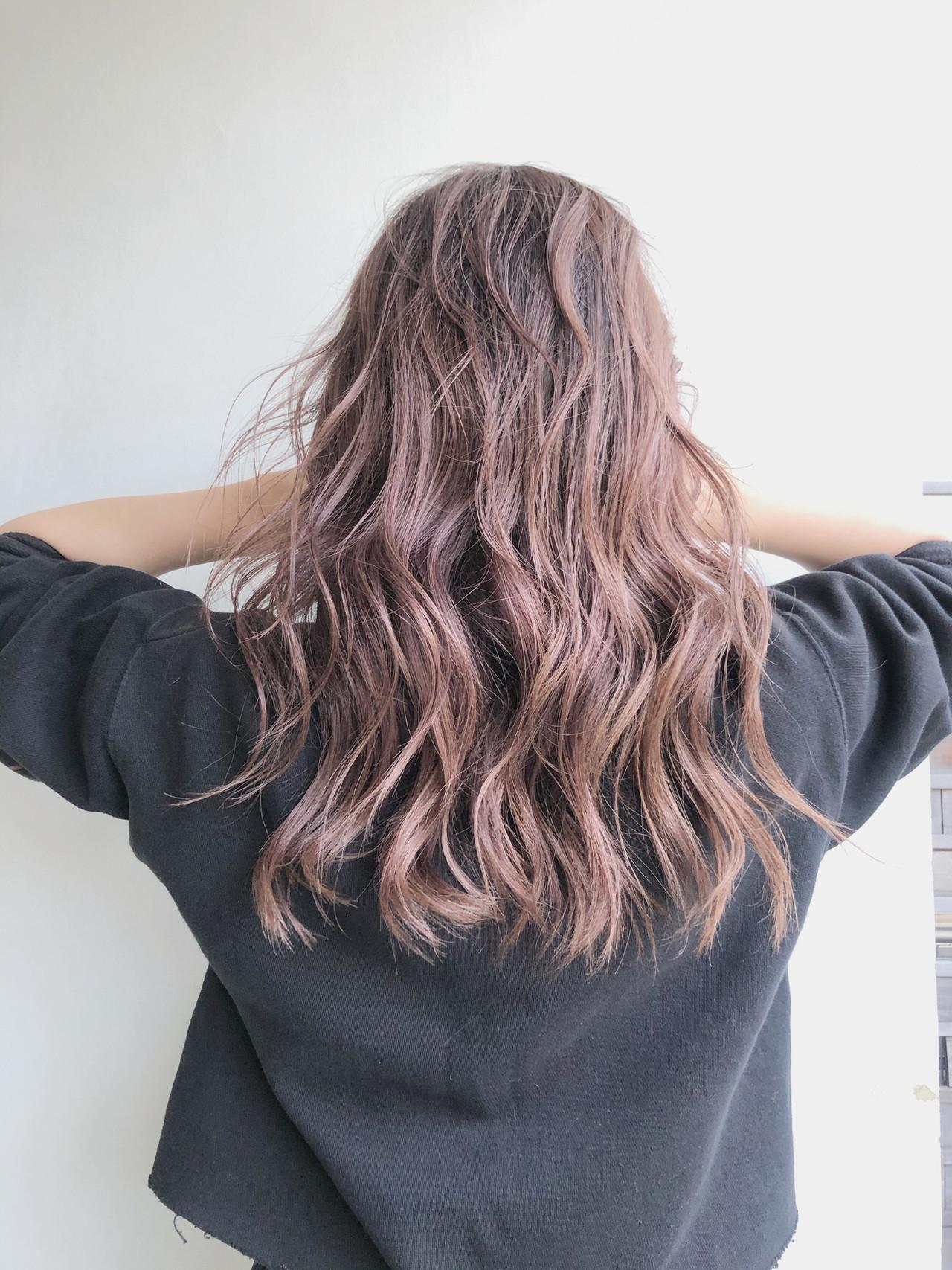 ブリーチカラー ハイライト バレイヤージュ 波ウェーブ ヘアスタイルや髪型の写真・画像 | Kohei assort tokyo / assort tokyo