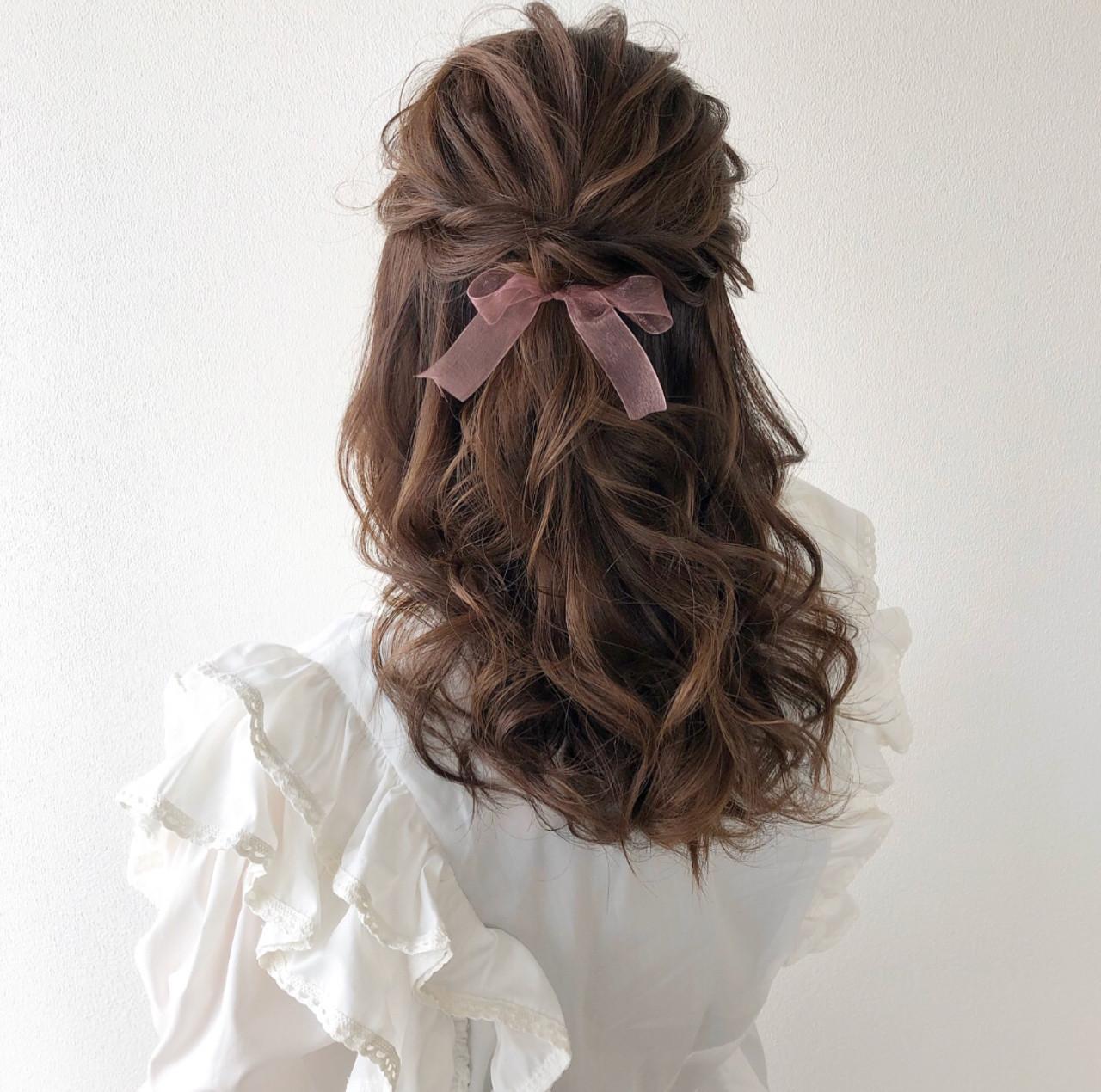 大人可愛い ハーフアップ セミロング ガーリー ヘアスタイルや髪型の写真・画像