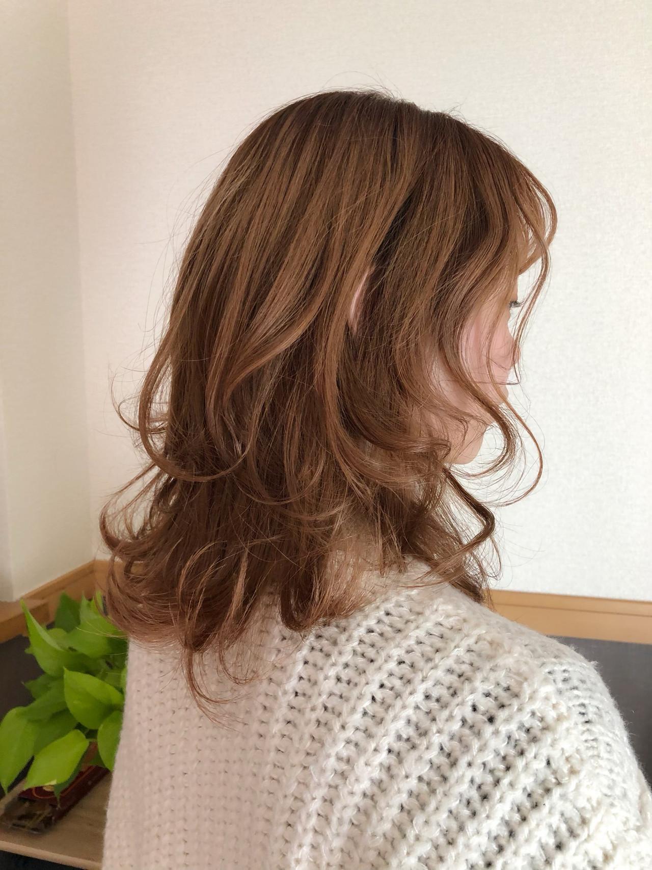 ウルフカット レイヤーカット レイヤースタイル フェミニン ヘアスタイルや髪型の写真・画像