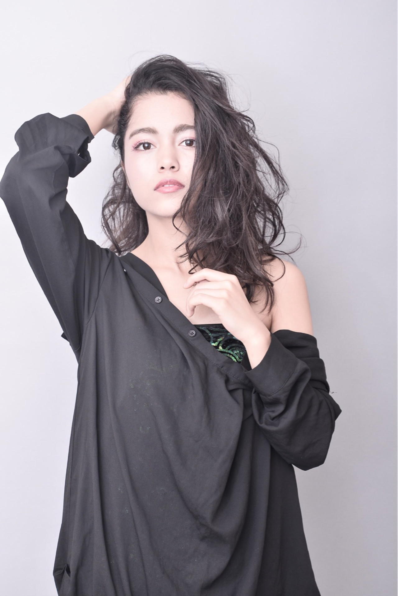 パーマ 暗髪 ニュアンス 外国人風 ヘアスタイルや髪型の写真・画像   George / MODE K's RISE