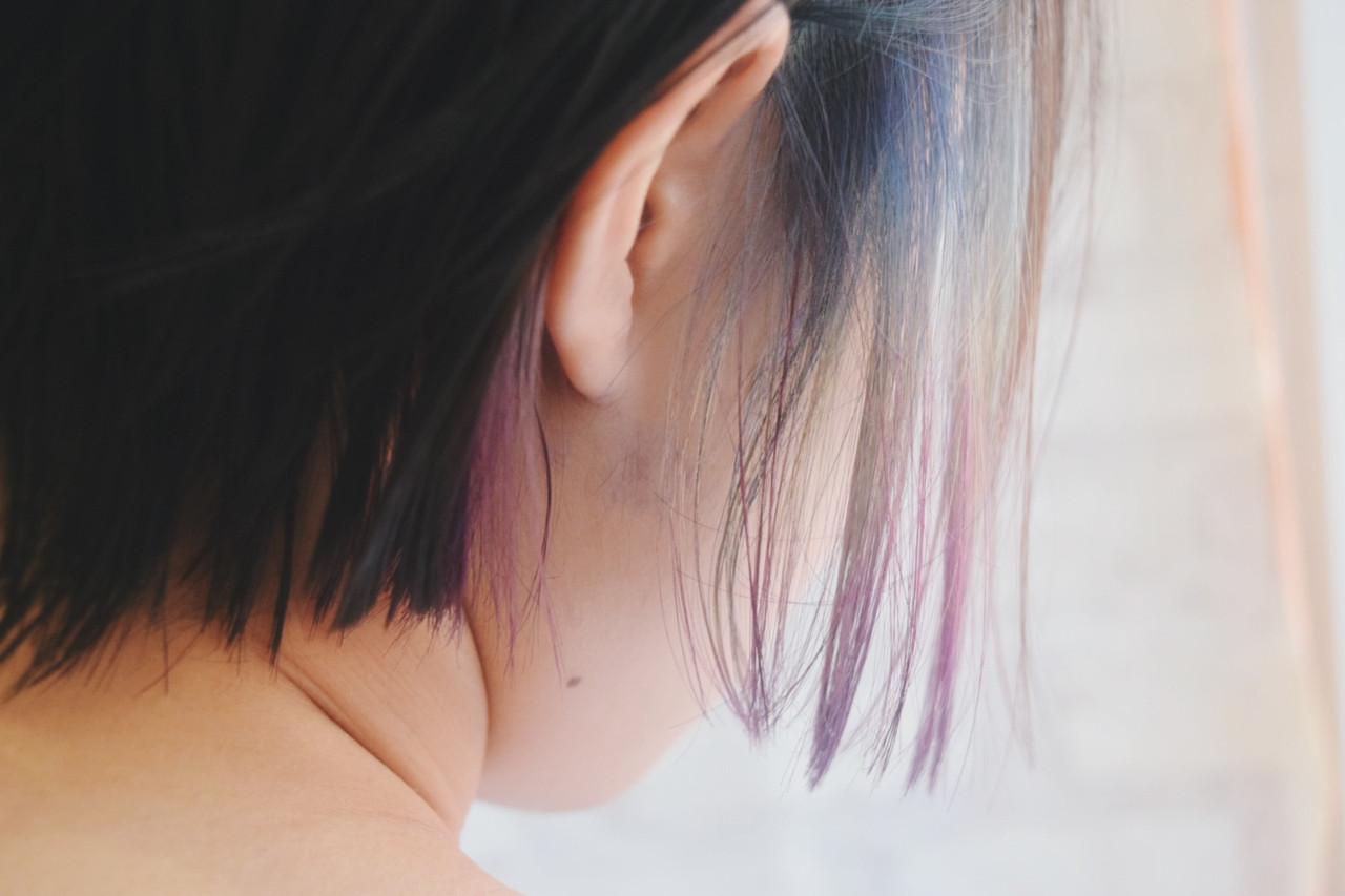 インナーカラー デート フェミニン ボブ ヘアスタイルや髪型の写真・画像 | 真鍋 龍平 / white.梅田