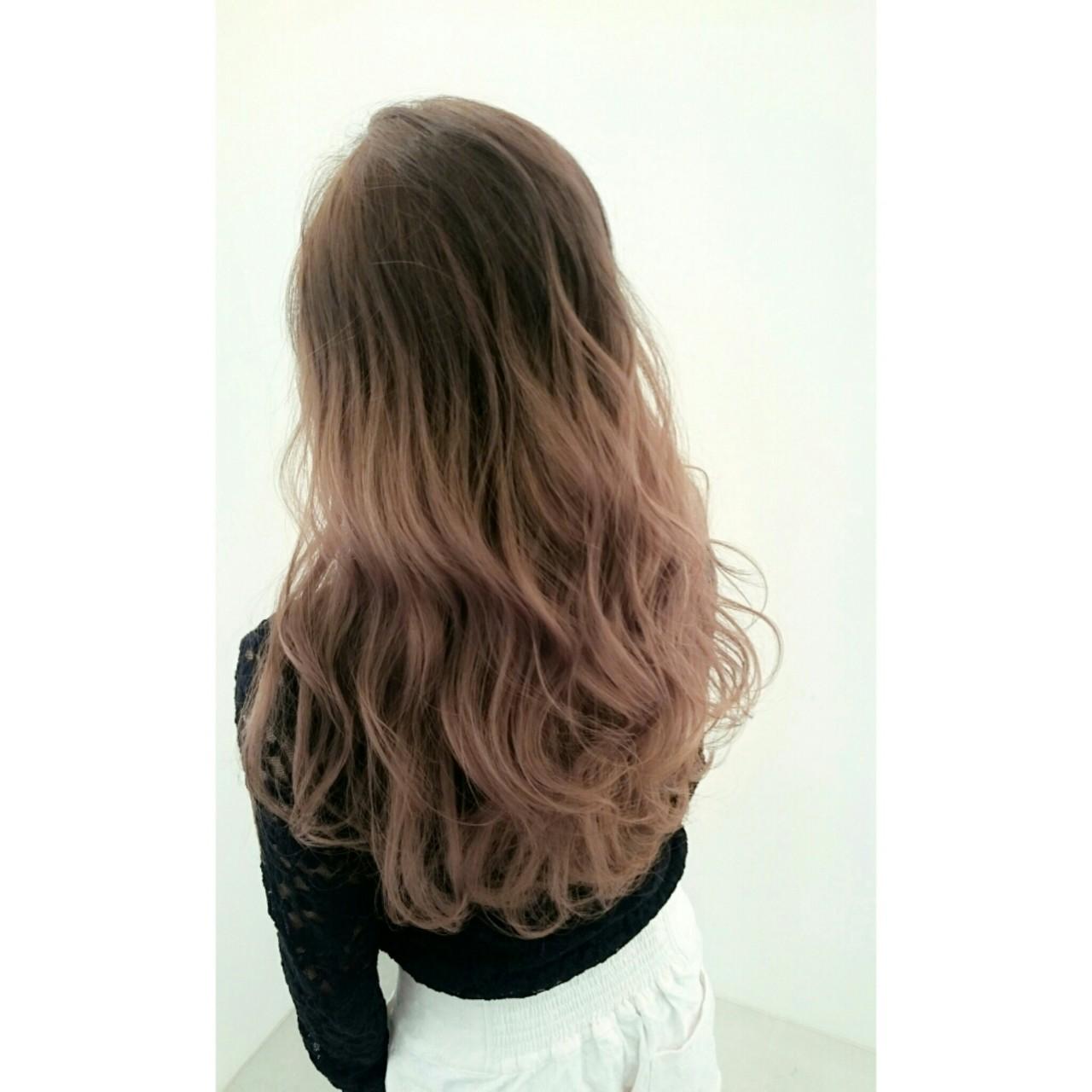ロング 暗髪 グラデーションカラー 大人かわいい ヘアスタイルや髪型の写真・画像 | 白川 知博 / KEYMAN