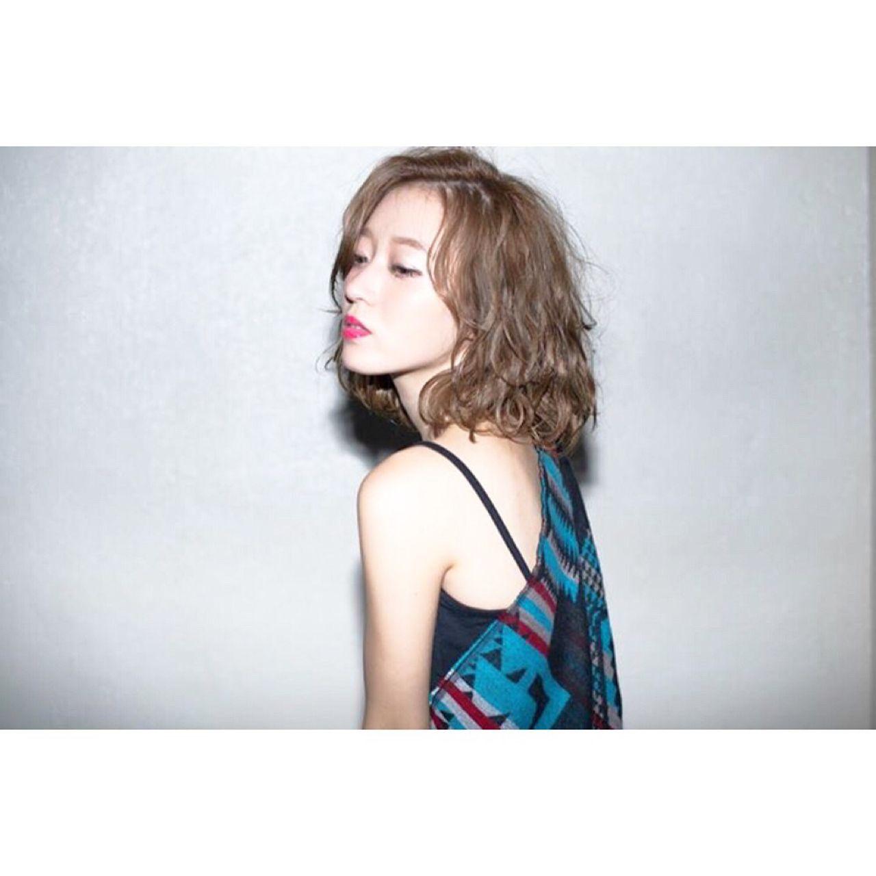 この秋、モテの基本は「ロブ」。海外セレブの間で話題になった髪型が日本でも流行中! M