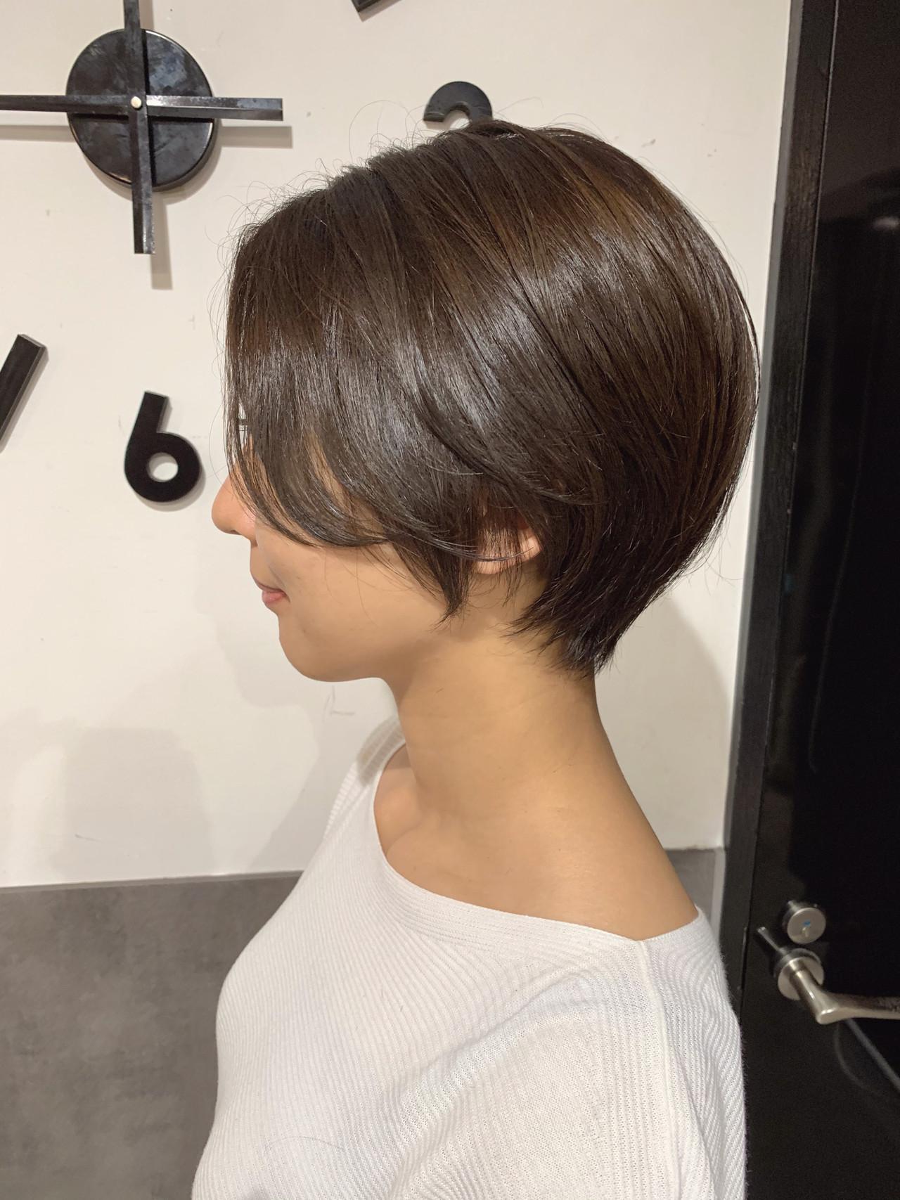 フェミニン 小顔ショート ハンサムショート ショートボブ ヘアスタイルや髪型の写真・画像 | オカモト ナツキ/ショートヘア / Neolive susu
