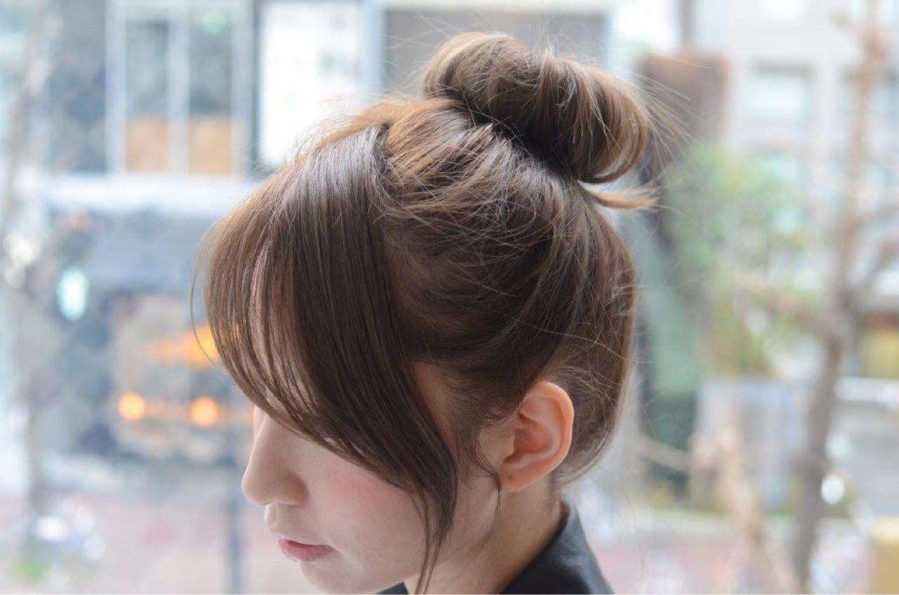 大人かわいい 前髪あり お団子 簡単ヘアアレンジ ヘアスタイルや髪型の写真・画像   佐伯 直哉 / air-KOBE