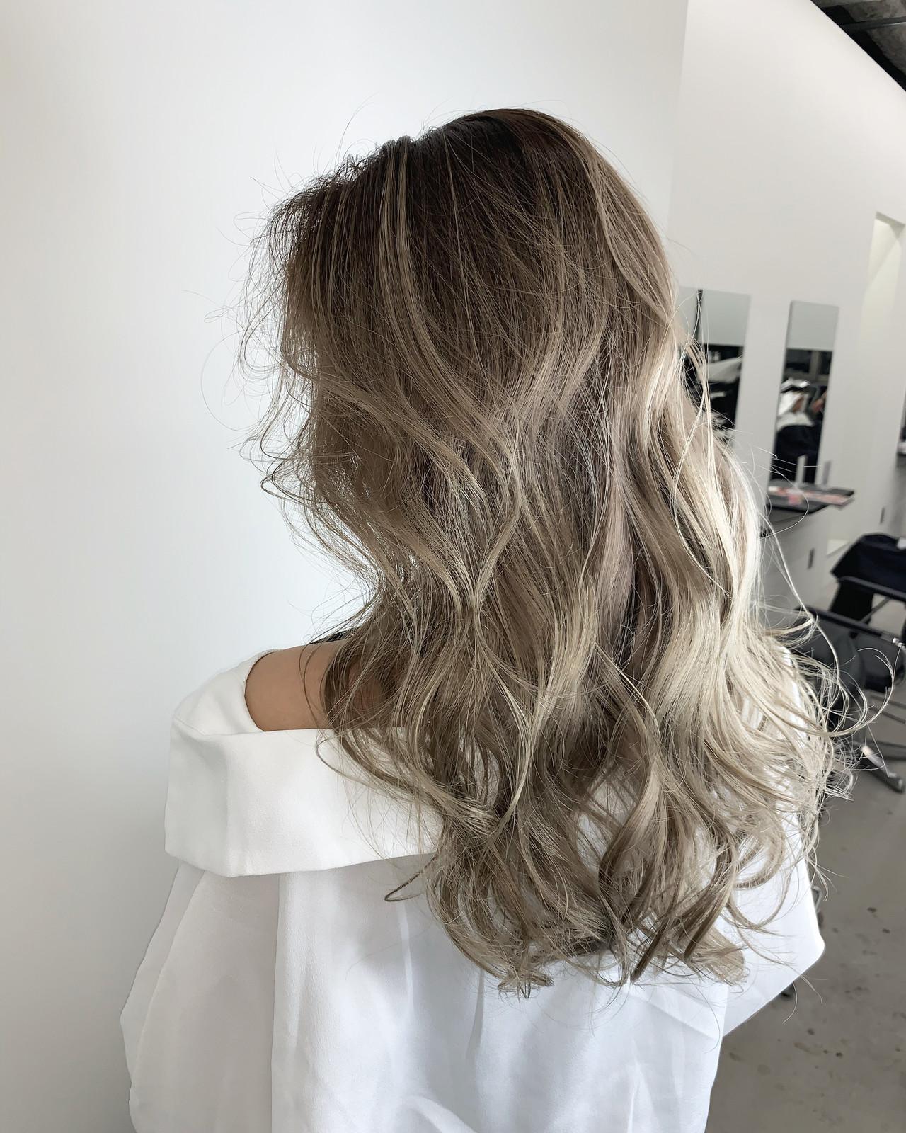 アッシュベージュ ベージュ ミルクティーベージュ ヌーディベージュ ヘアスタイルや髪型の写真・画像