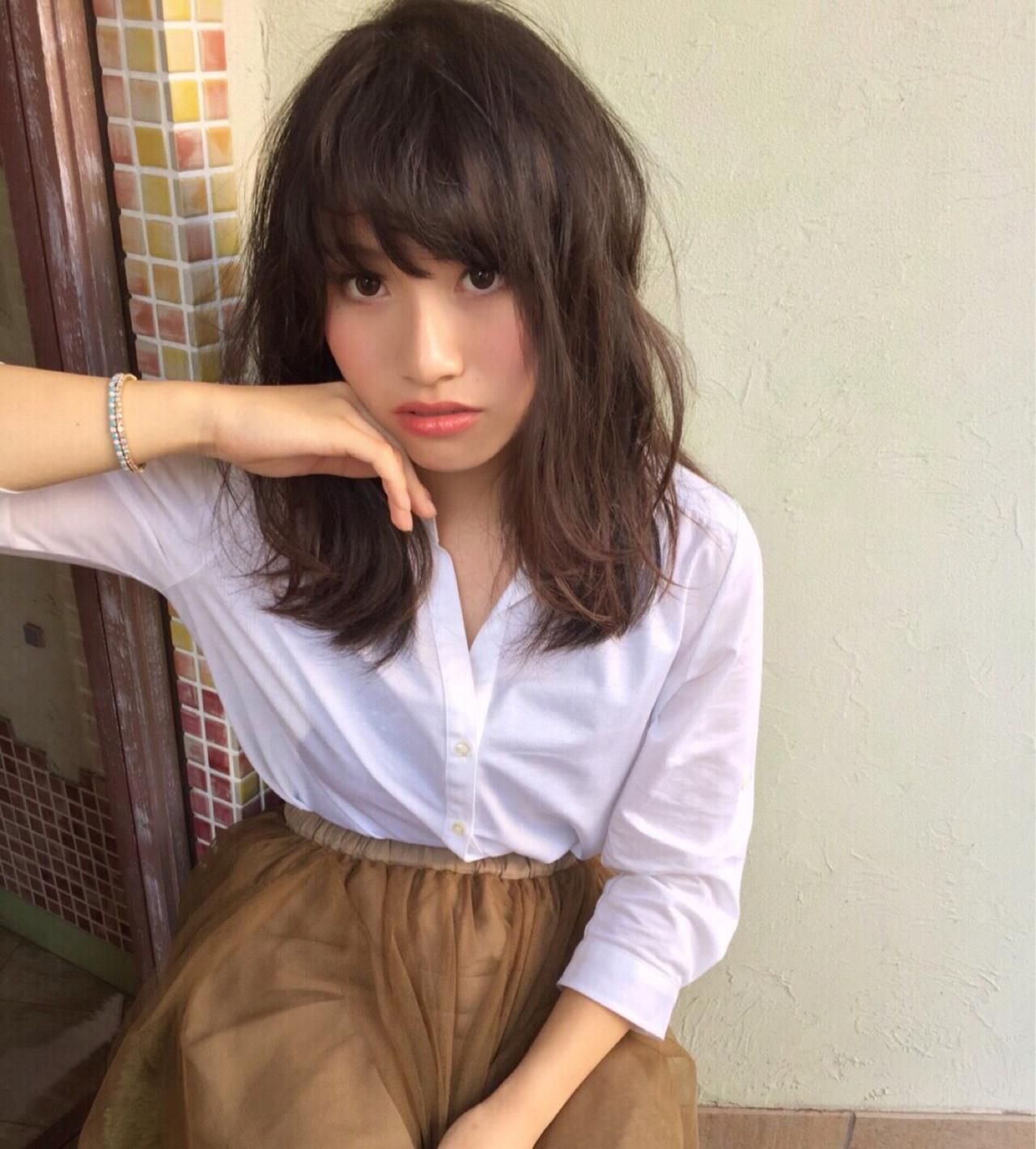 ゆるふわ 大人かわいい 暗髪 セミロングヘアスタイルや髪型の写真・画像