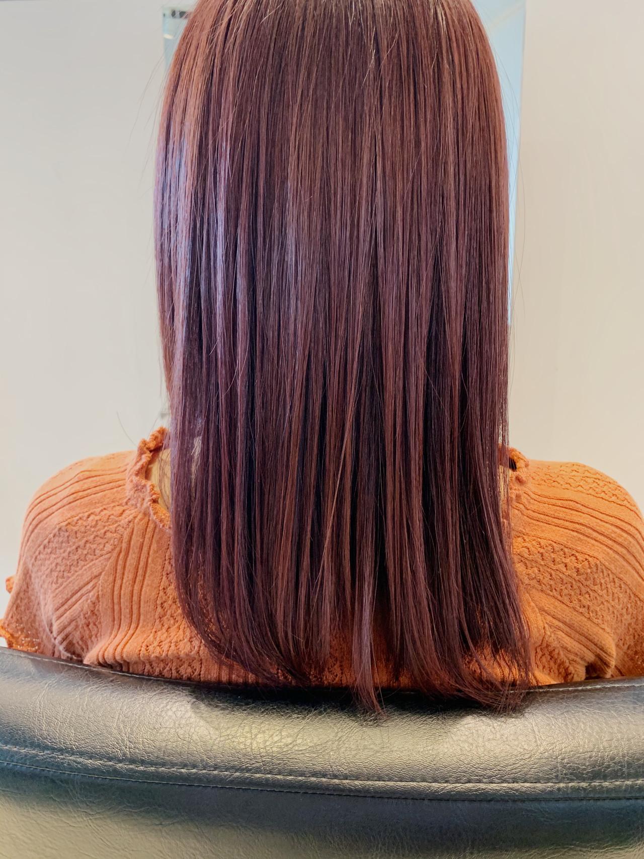 ガーリー ラズベリーピンク セミロング ベリーピンクヘアスタイルや髪型の写真・画像